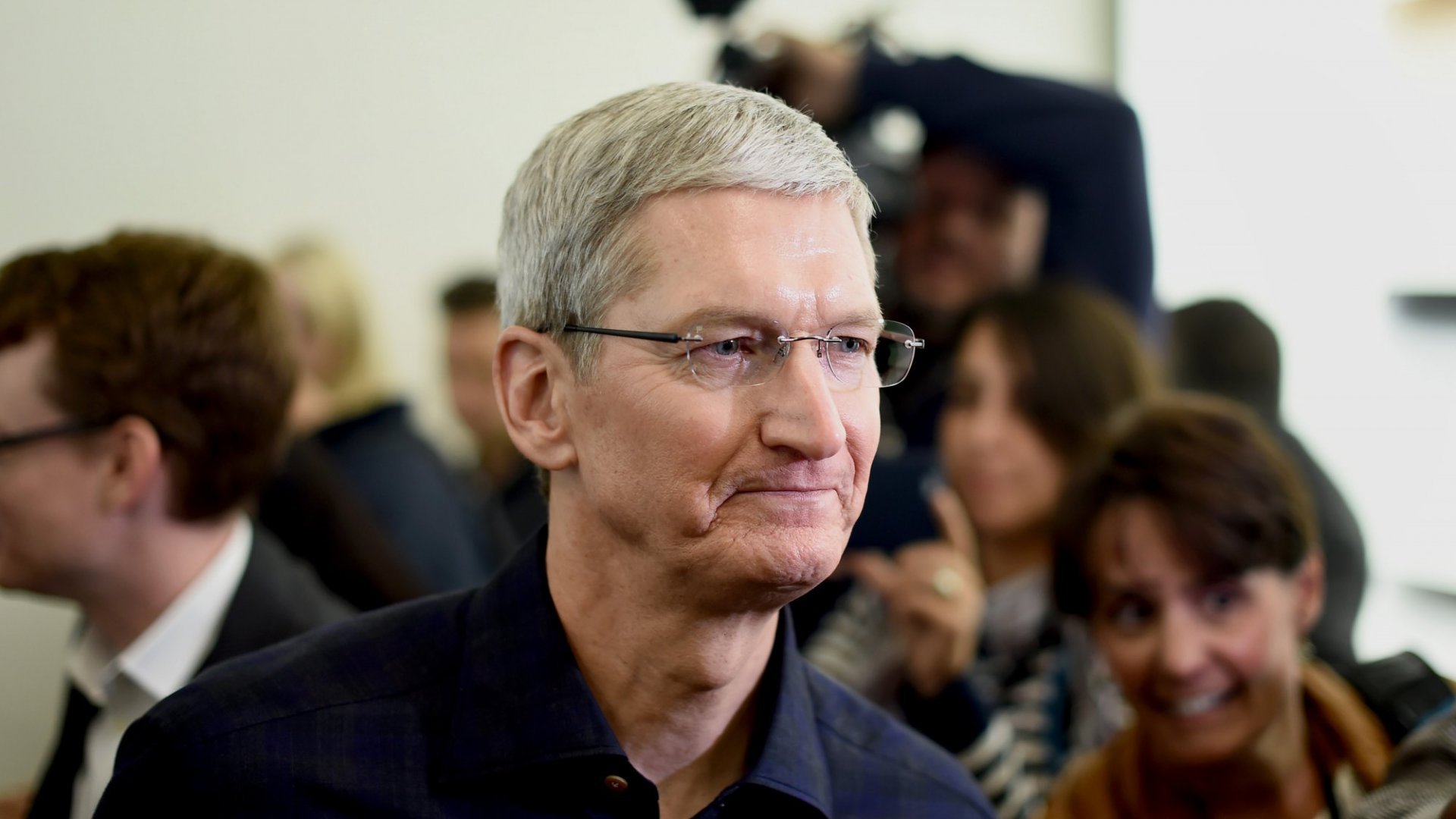 Tim Cook Plans to Give Away Most of His Money