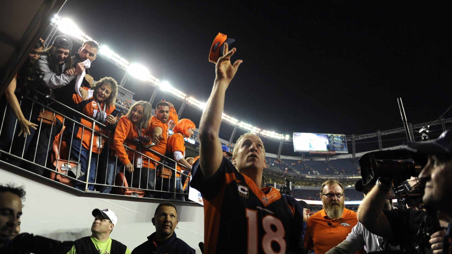 7 Winning Leadership Ideas from Peyton Manning's Playbook