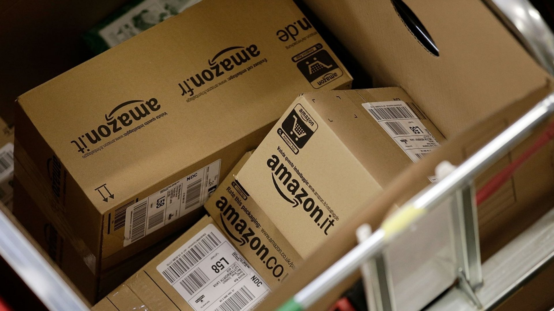 Here's How Amazon Gets You to Buy More Stuff