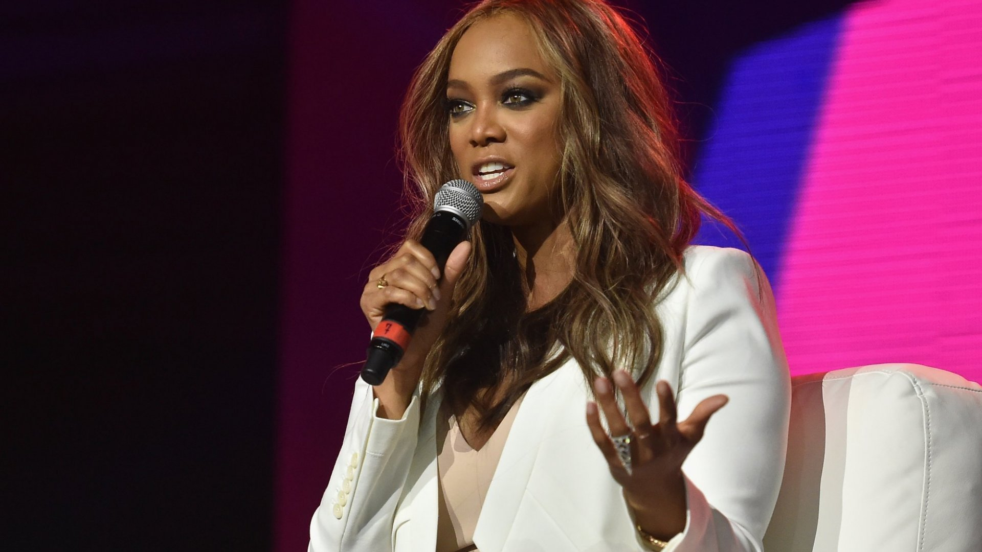 8 Leadership Lessons From Beauty Magnate Tyra Banks