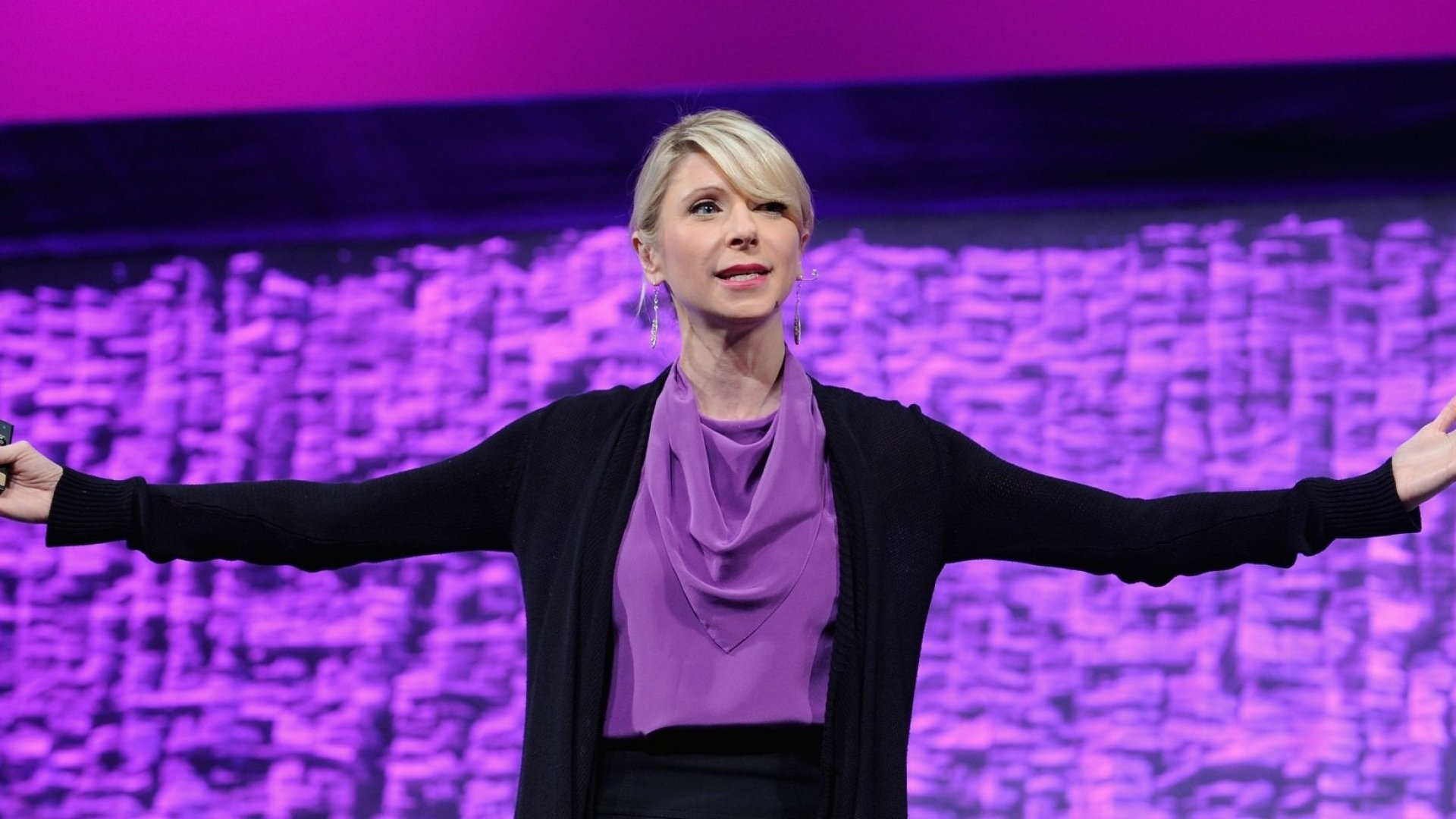 Amy Cuddy's Body Language Research Has Been Disproved. Here's What to Do Now