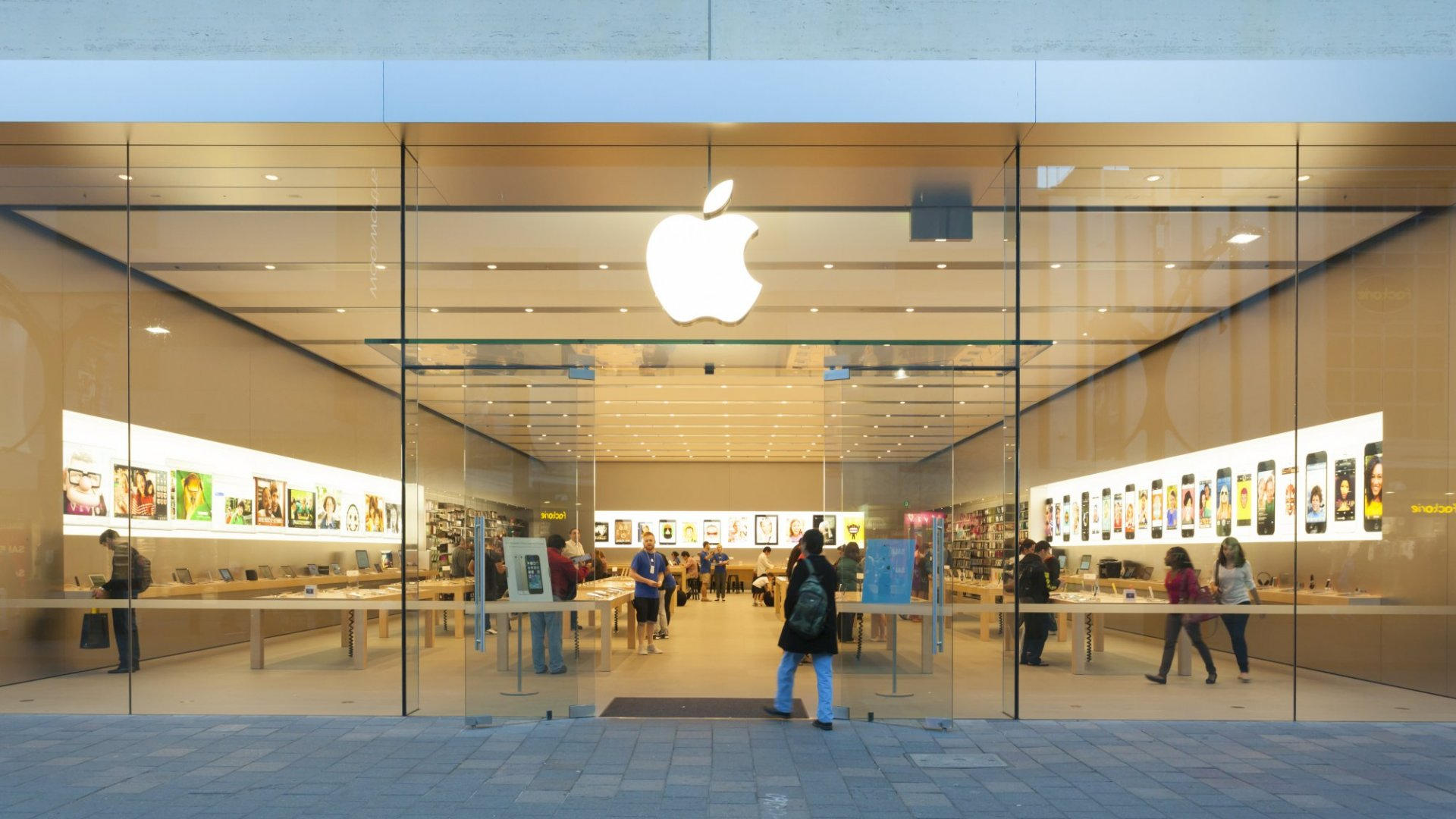 This Simple Email From Apple Is a Brilliant Example of How to Delight Your Customers