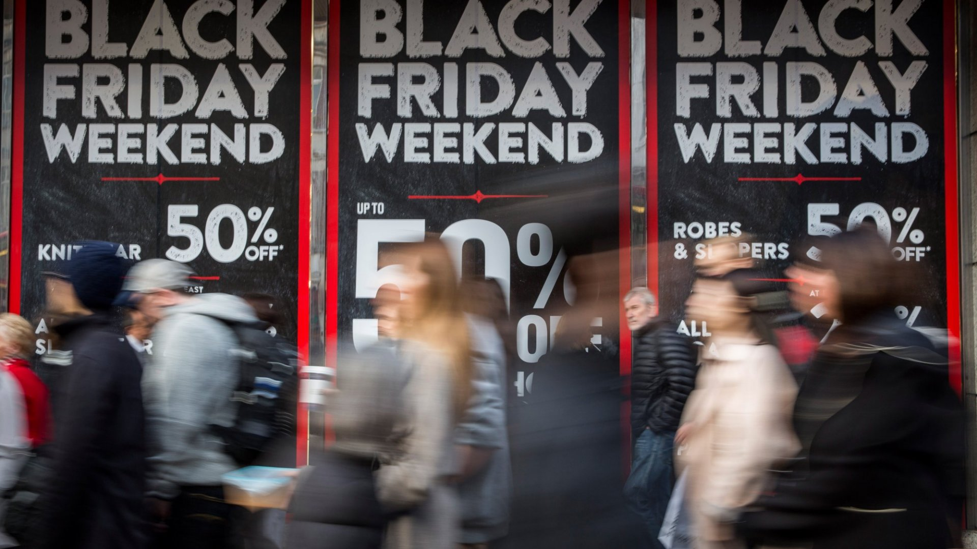Psychologists Confirm There Are 2 Kinds of People in the World: Those Who Like Black Friday and Those Who Hate It