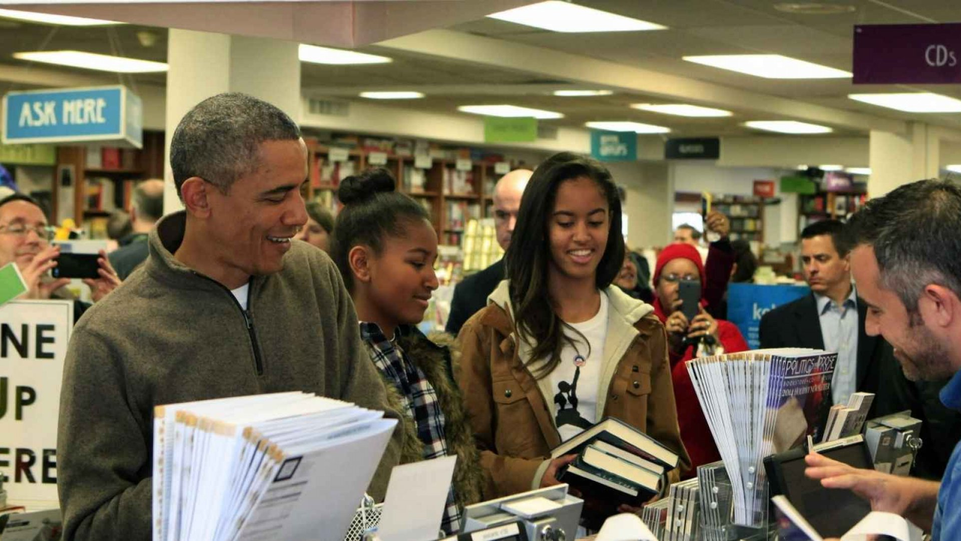 10 Books President Obama Thinks Everyone Should Read