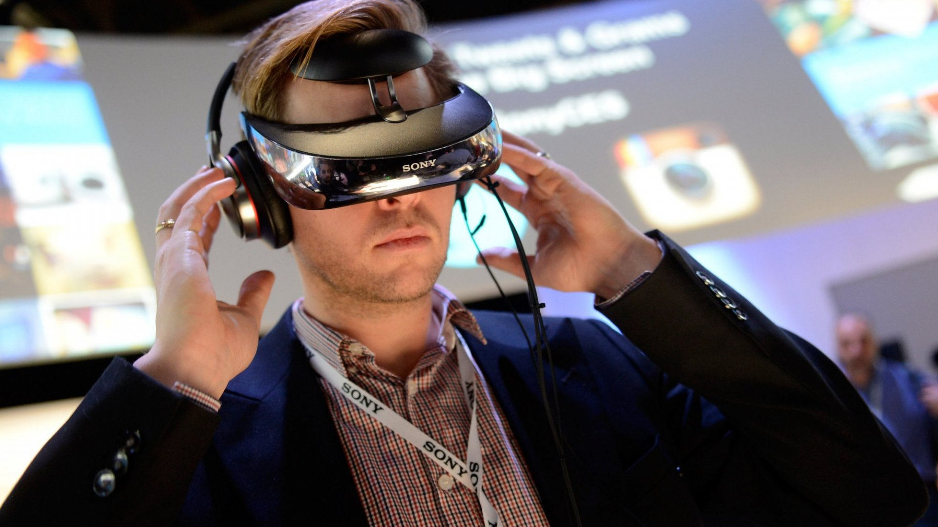 CES 2017: 10 Tech Trends To Expect at This Year's Show