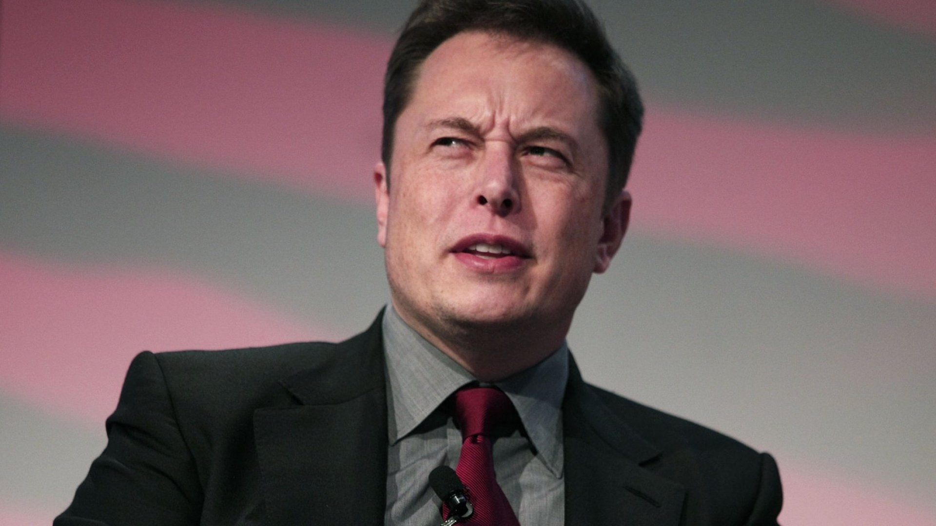 Elon Musk Says He Didn't Heartlessly Fire His Assistant After More Than 10 Years of Service