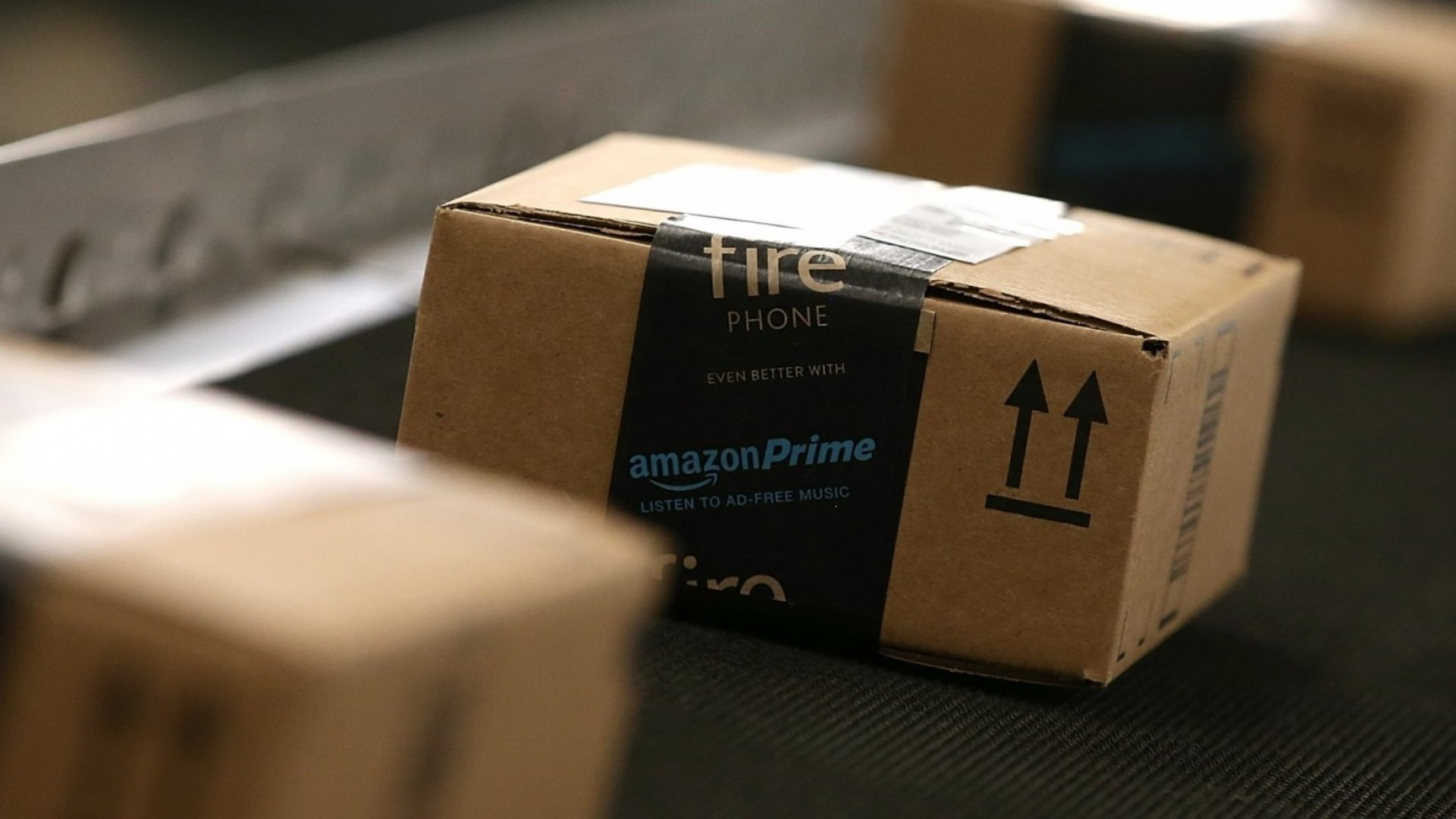 What Amazon's Relationship With the USPS Actually Means for Business