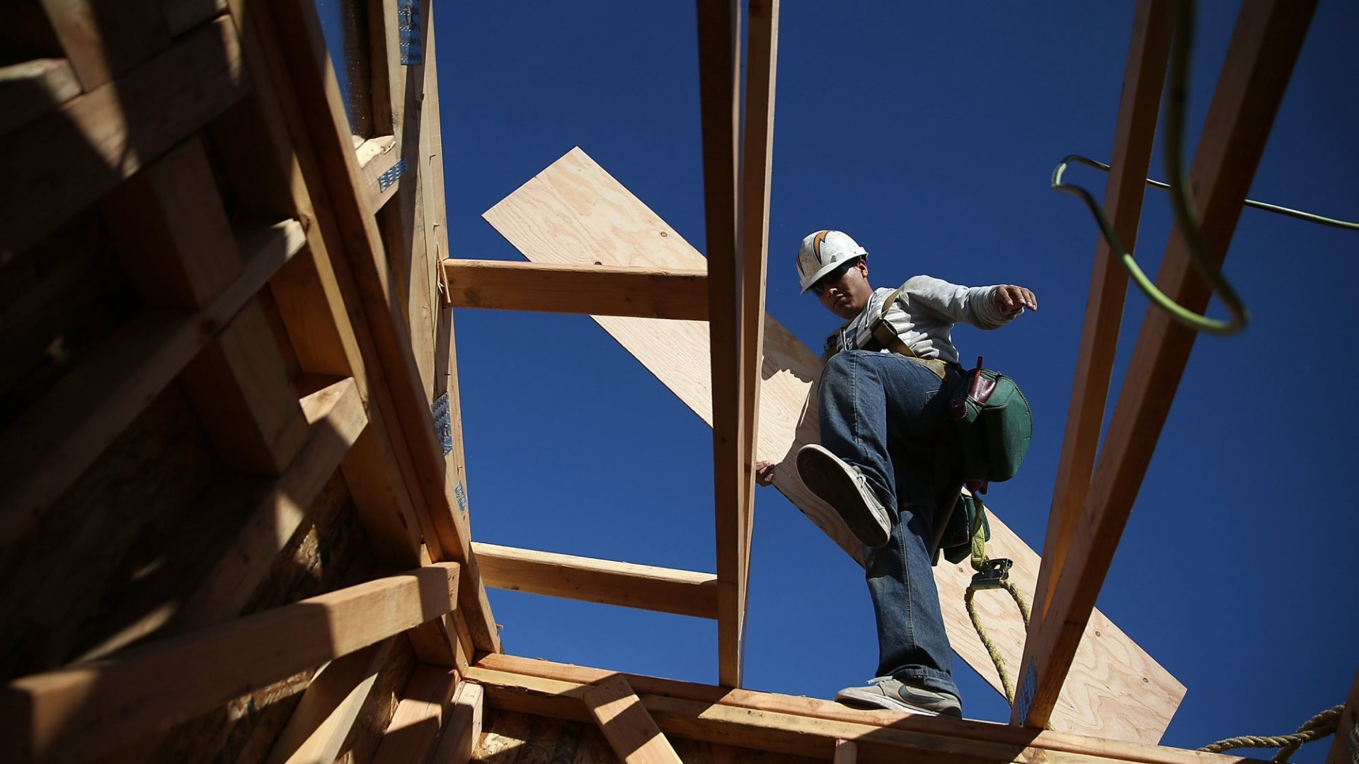 Construction Companies Struggle to Find Workers