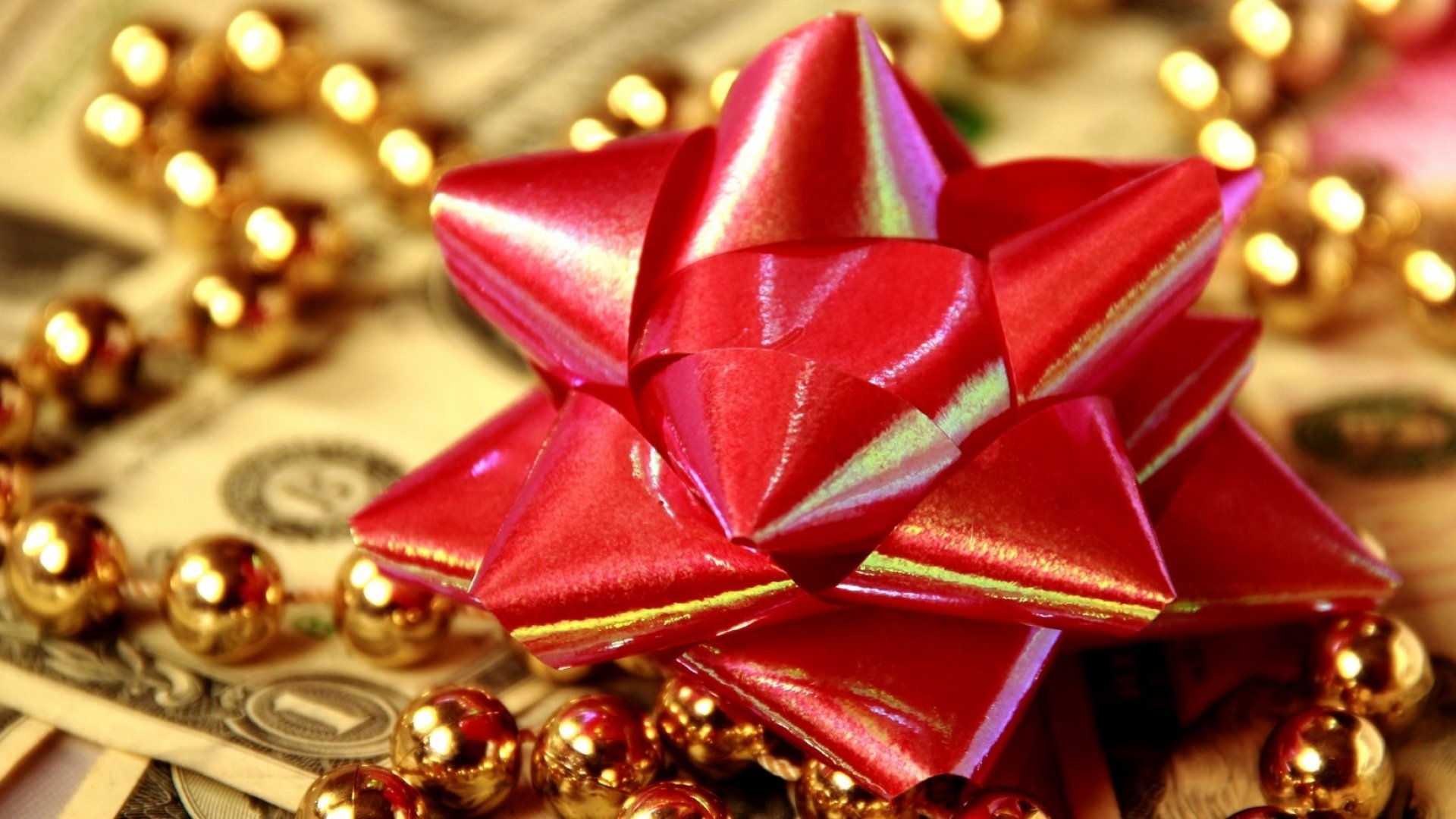 7 Tips to Throw an Awesome Holiday Party on a Budget