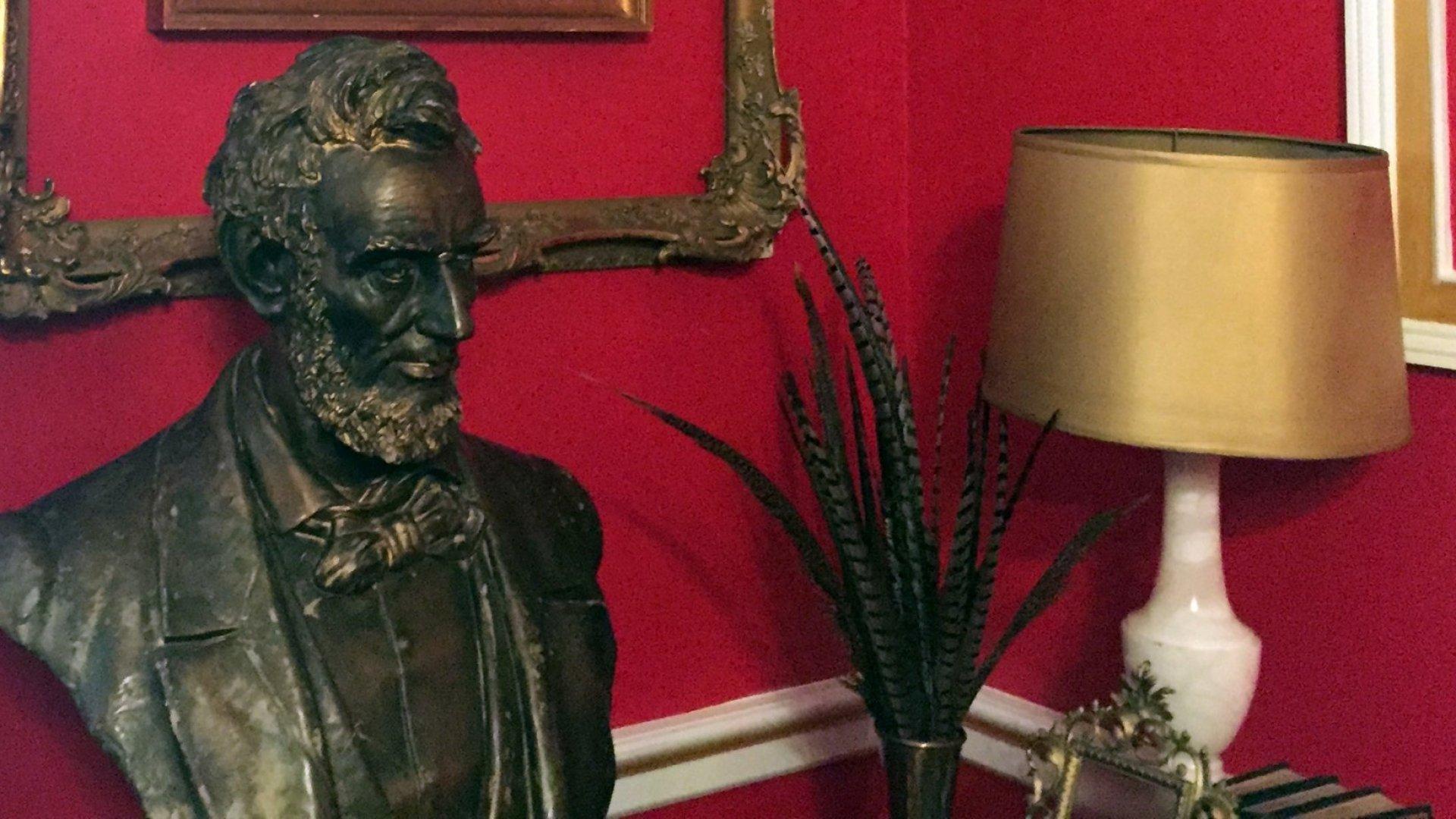 Executive Office Fails as Bad as Congressman's 'Downton Abbey'