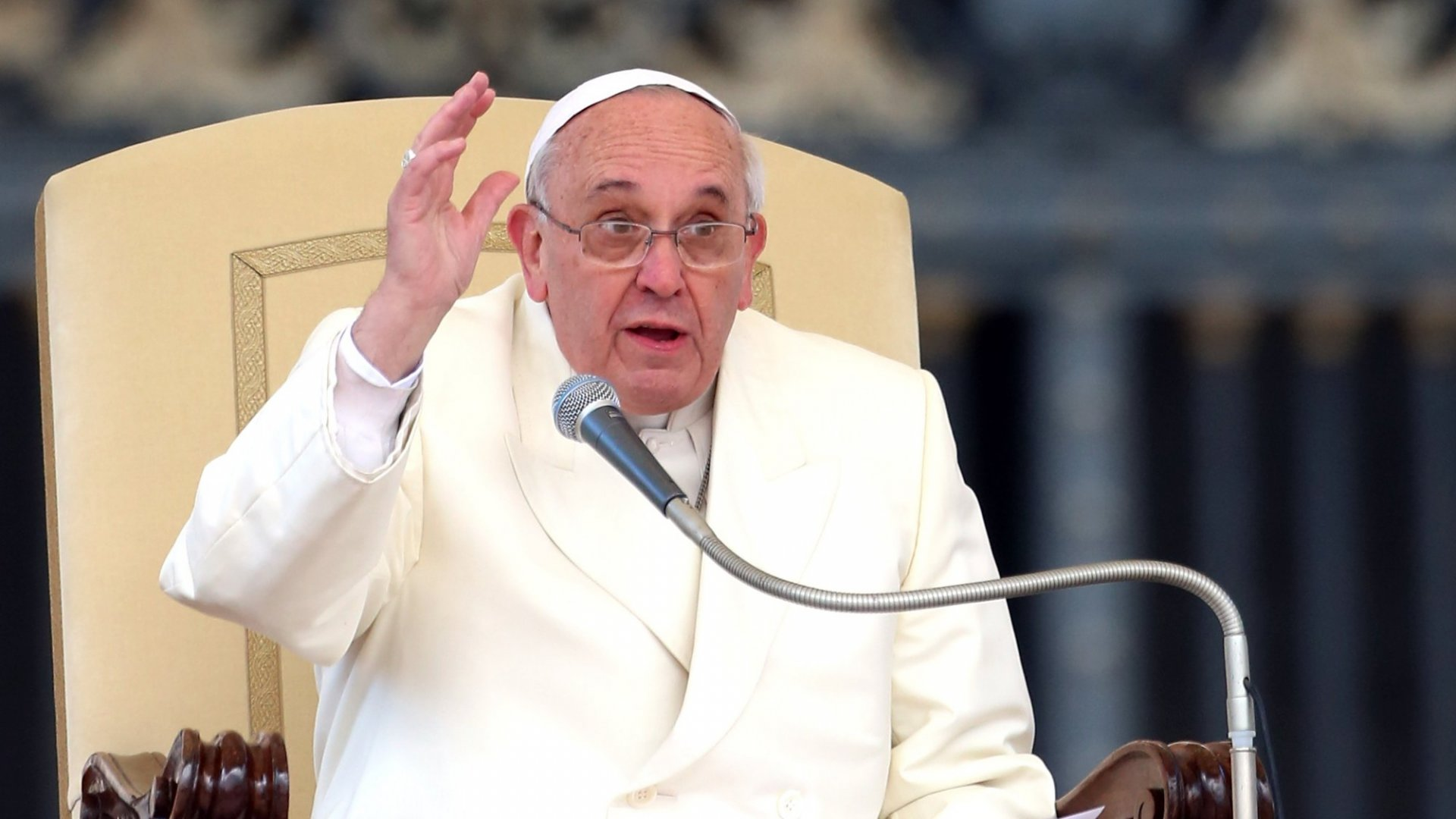 In His Surprise TED Talk, Pope Francis Relied on This Proven Writing and Speaking Formula