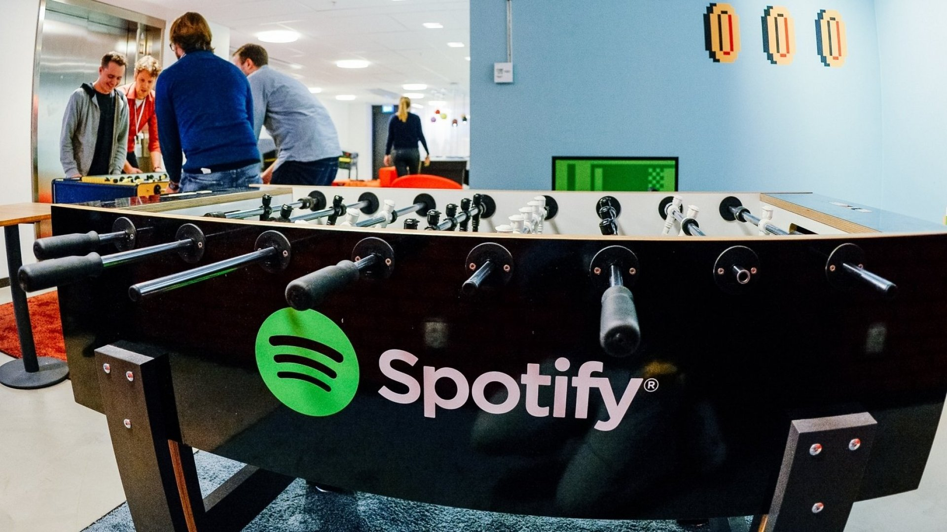 Spotify Employees Getan Awesome New Holiday-Themed Perk