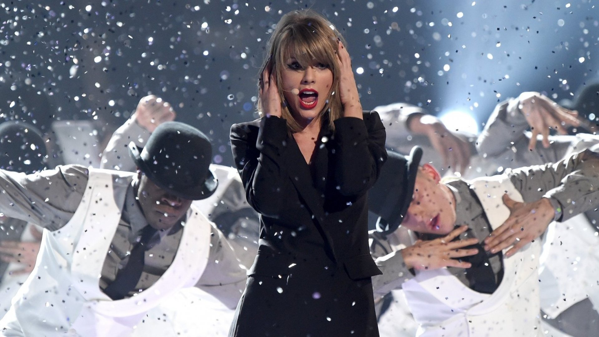Why Stealing Taylor's Swift's Look Is the Next Big Thing in Fashion Tech