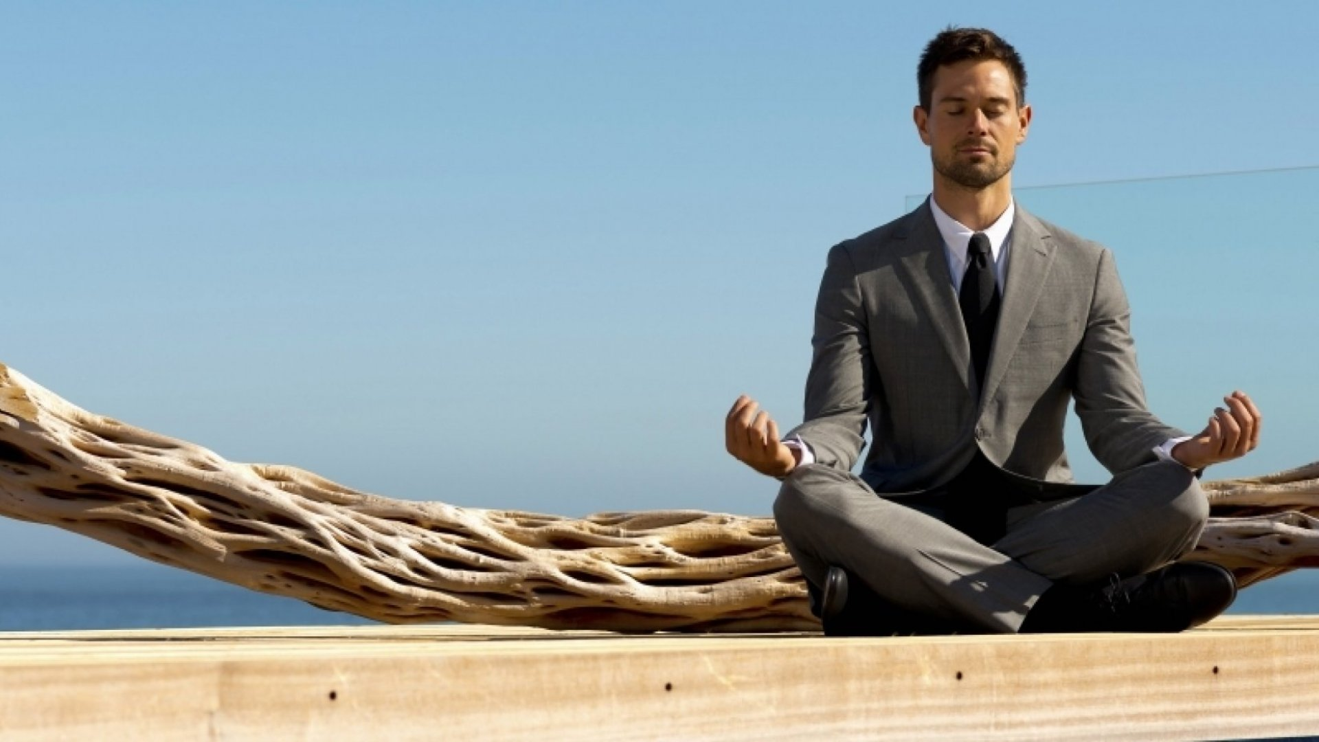33 Ways to Encourage Mindfulness at Work