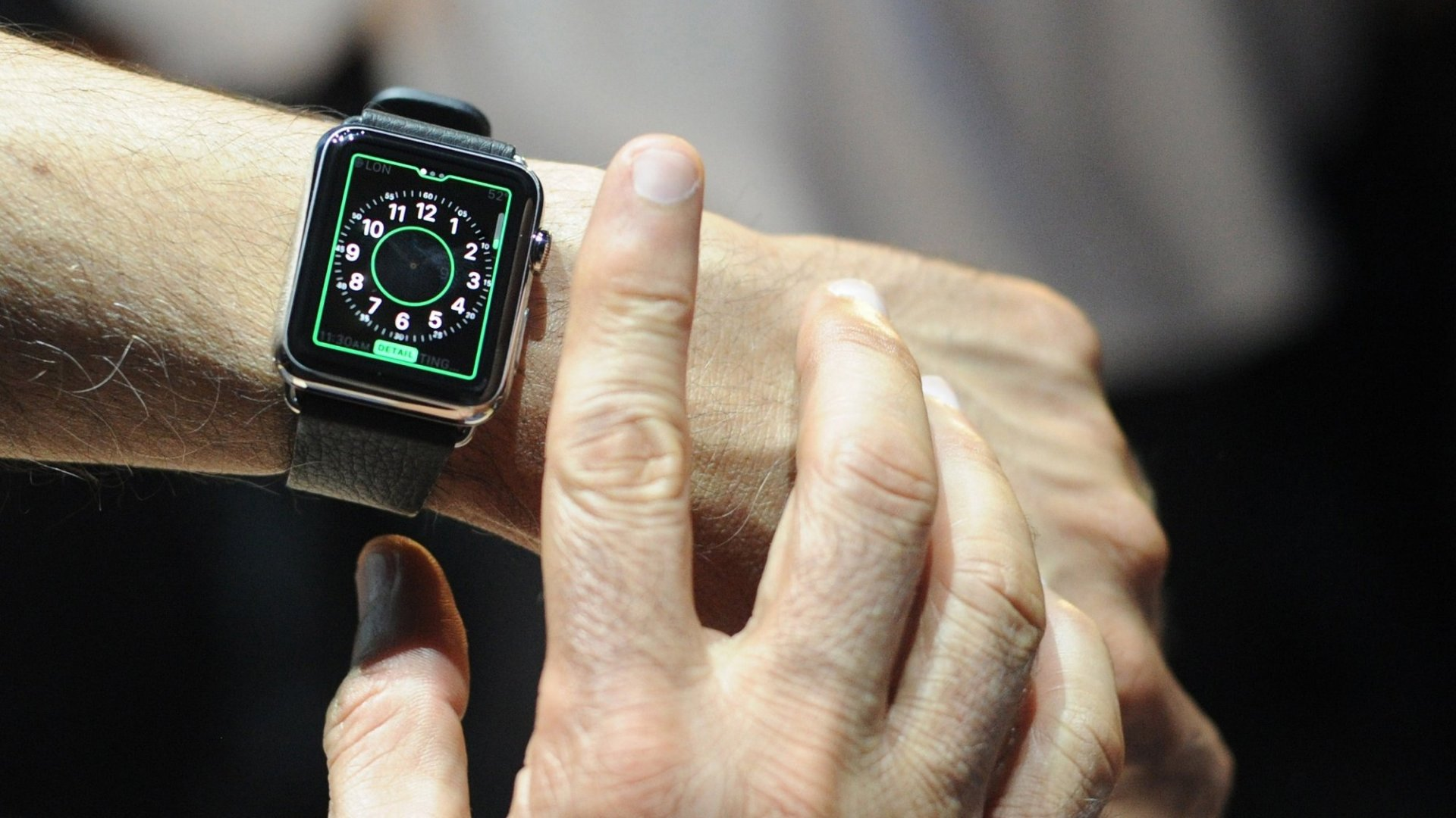 How Does the Apple Watch Compare With Its Rivals?