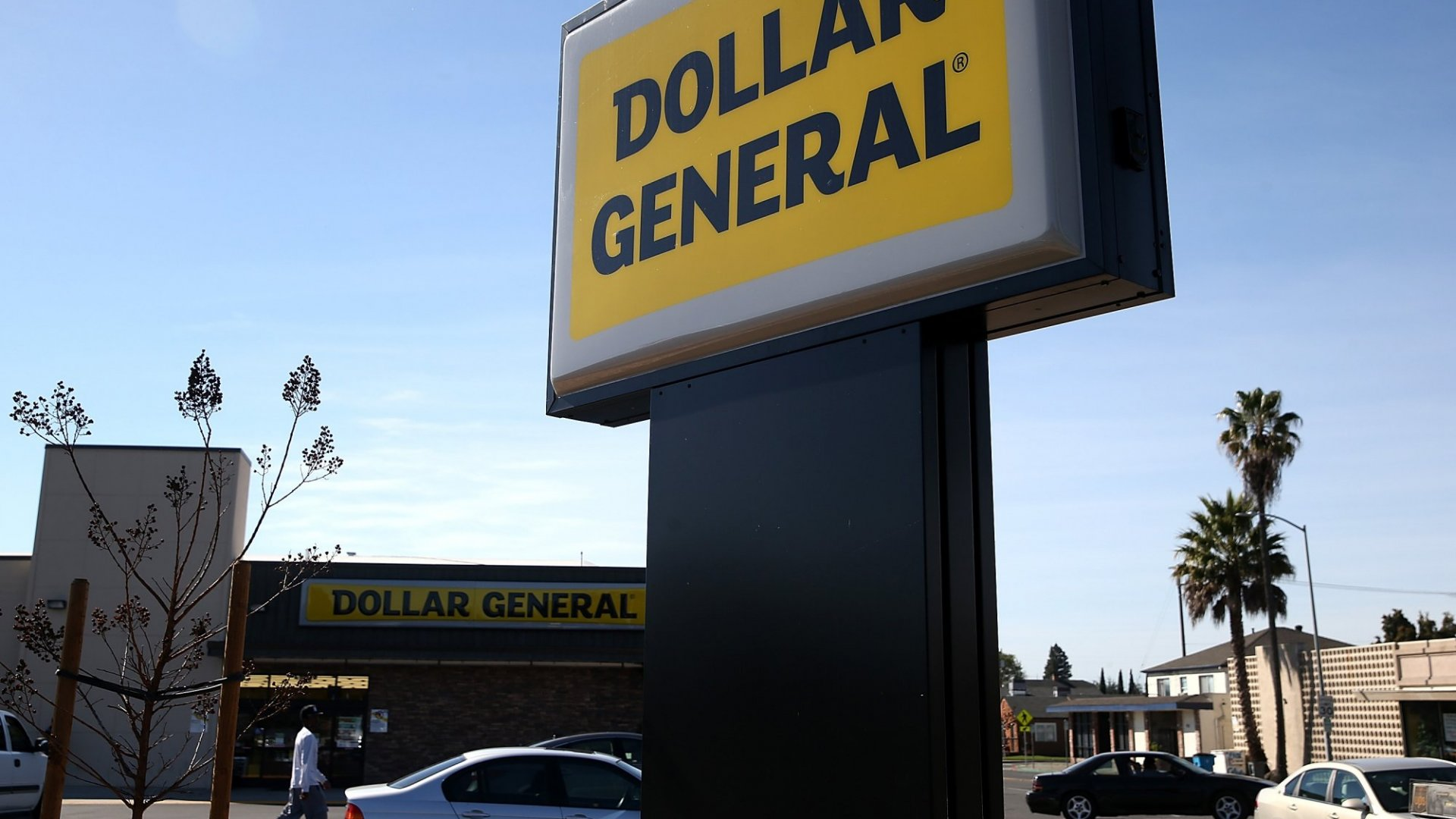 Why Millennials Are Ditching WalMart and Target to Shop at Dollar General