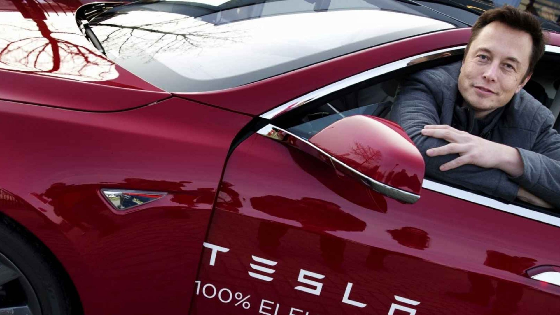 Elon Musk Says Apple (not Google)Will Be Tesla's Direct Competitor