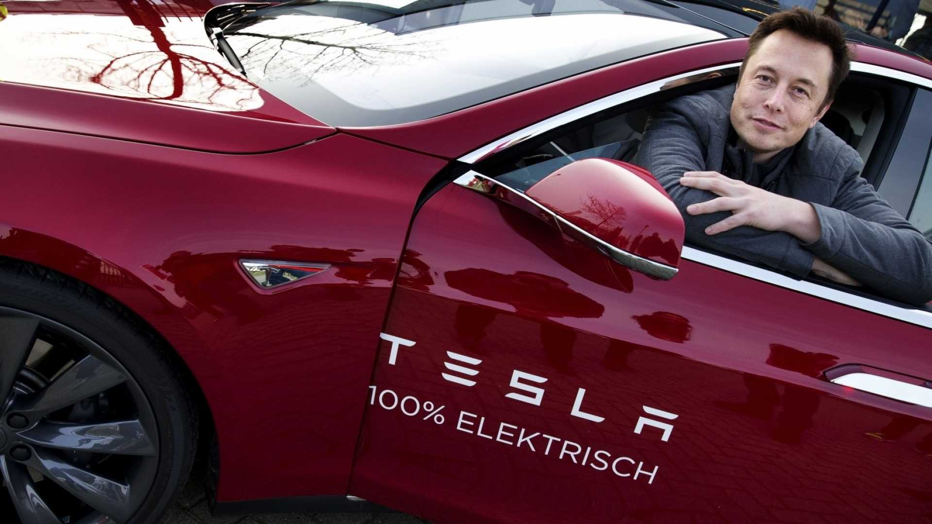 Tesla Just Dumped 2 Surprising Things to Save the Company's Faltering Reputation (Will Elon Musk's New Plan Work?)