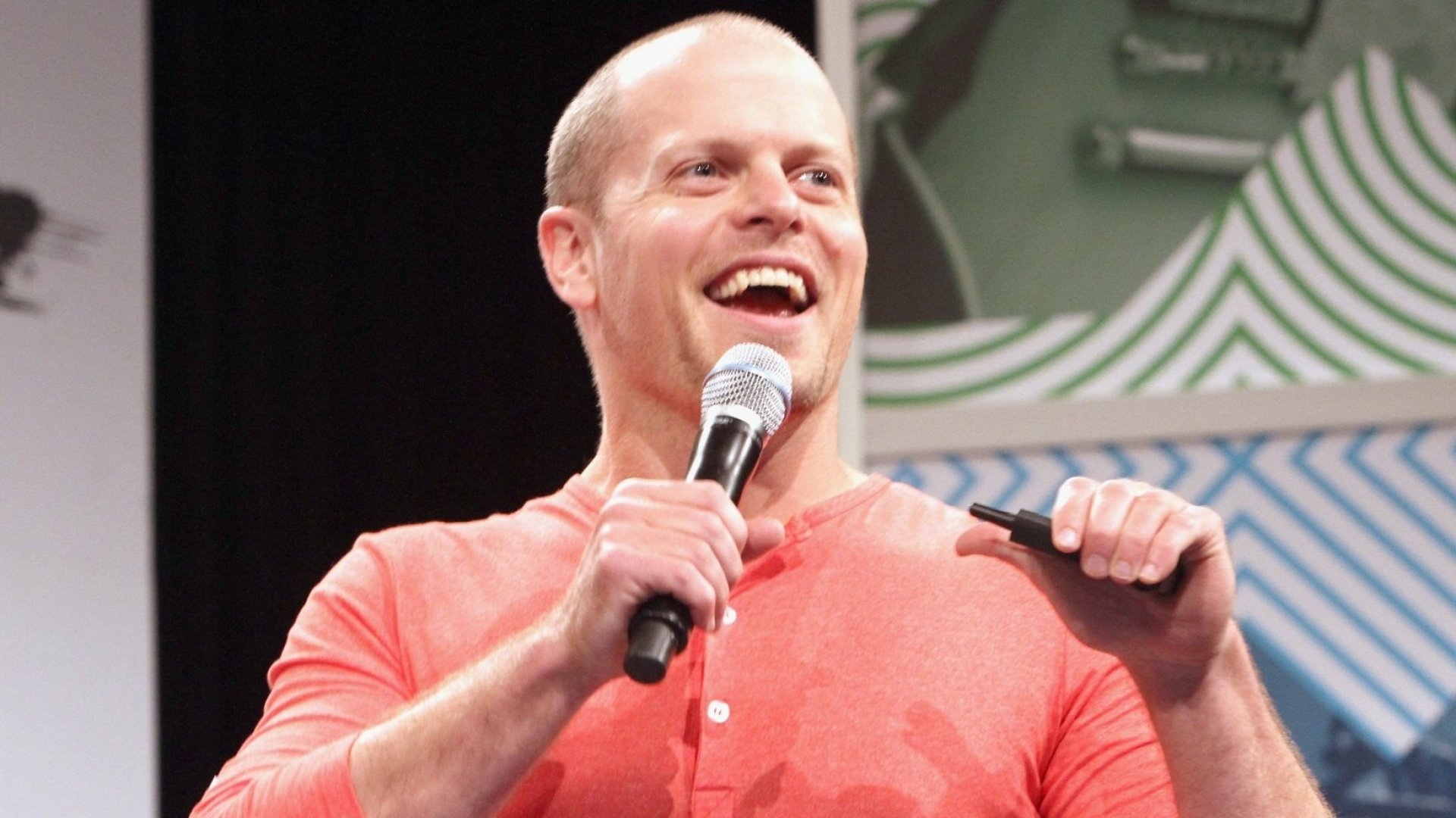 Tim Ferriss on Why Past-Year Reviews Are More Effective Than Goal Setting