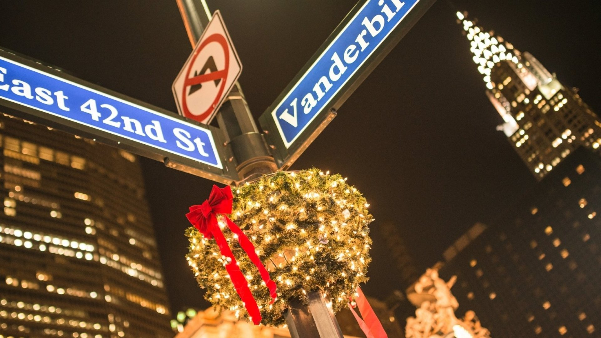 10 Travel Hacks That Anyone Visiting New York City During the Holidays Should Know