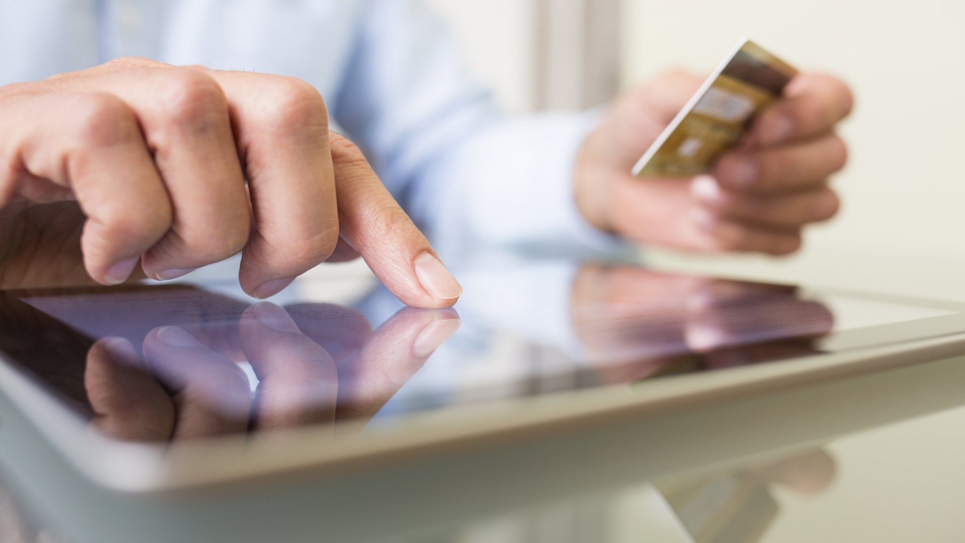 6 Tips For Convincing Customers to Purchase Your E-Commerce Product
