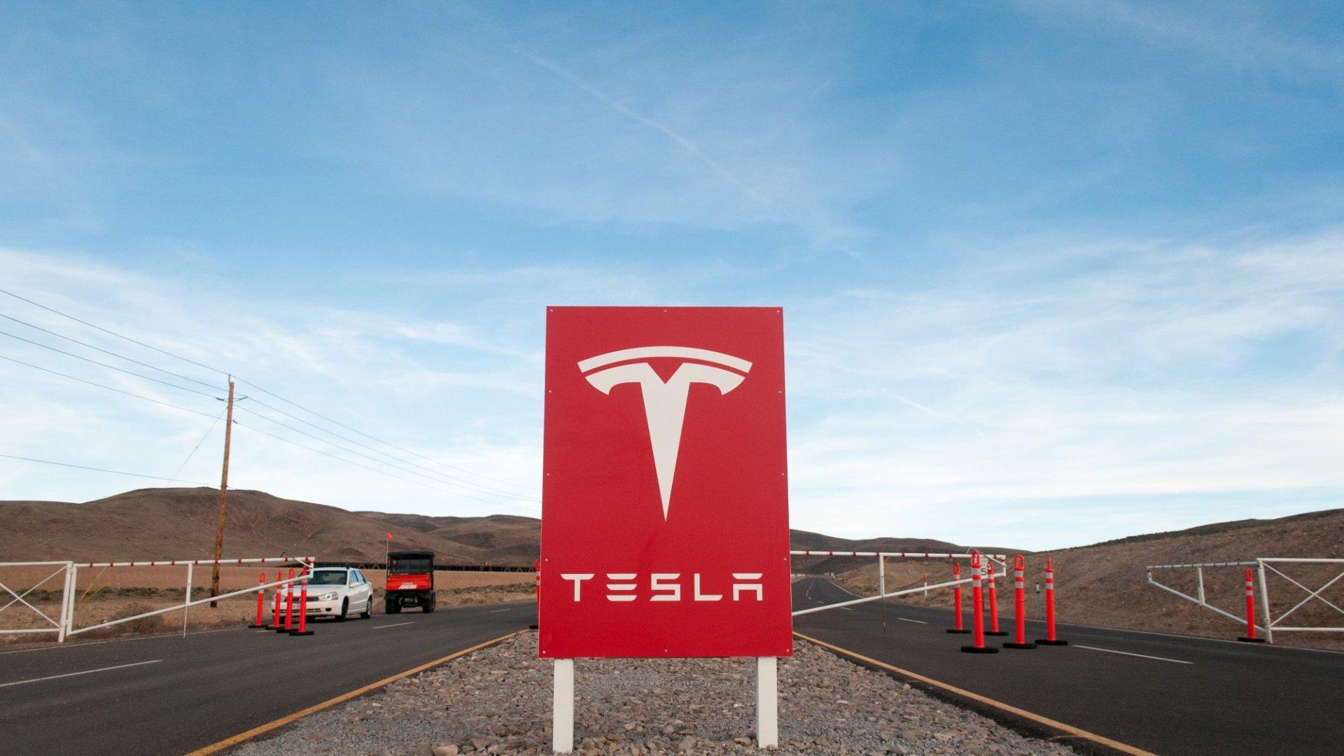 Tesla Wants to Partner With Panasonic on Solar Panels