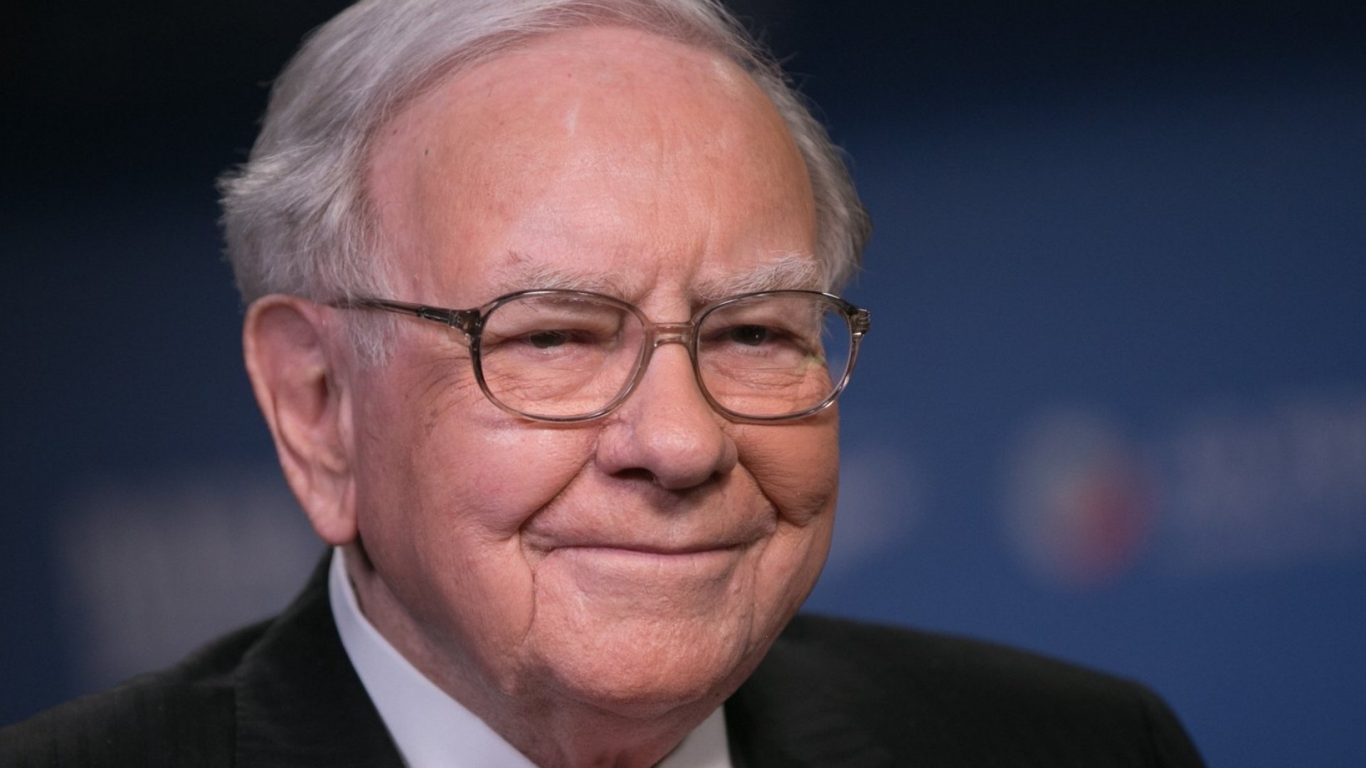The 1 Non-Money Habit from Warren Buffett You Should Immediately Copy