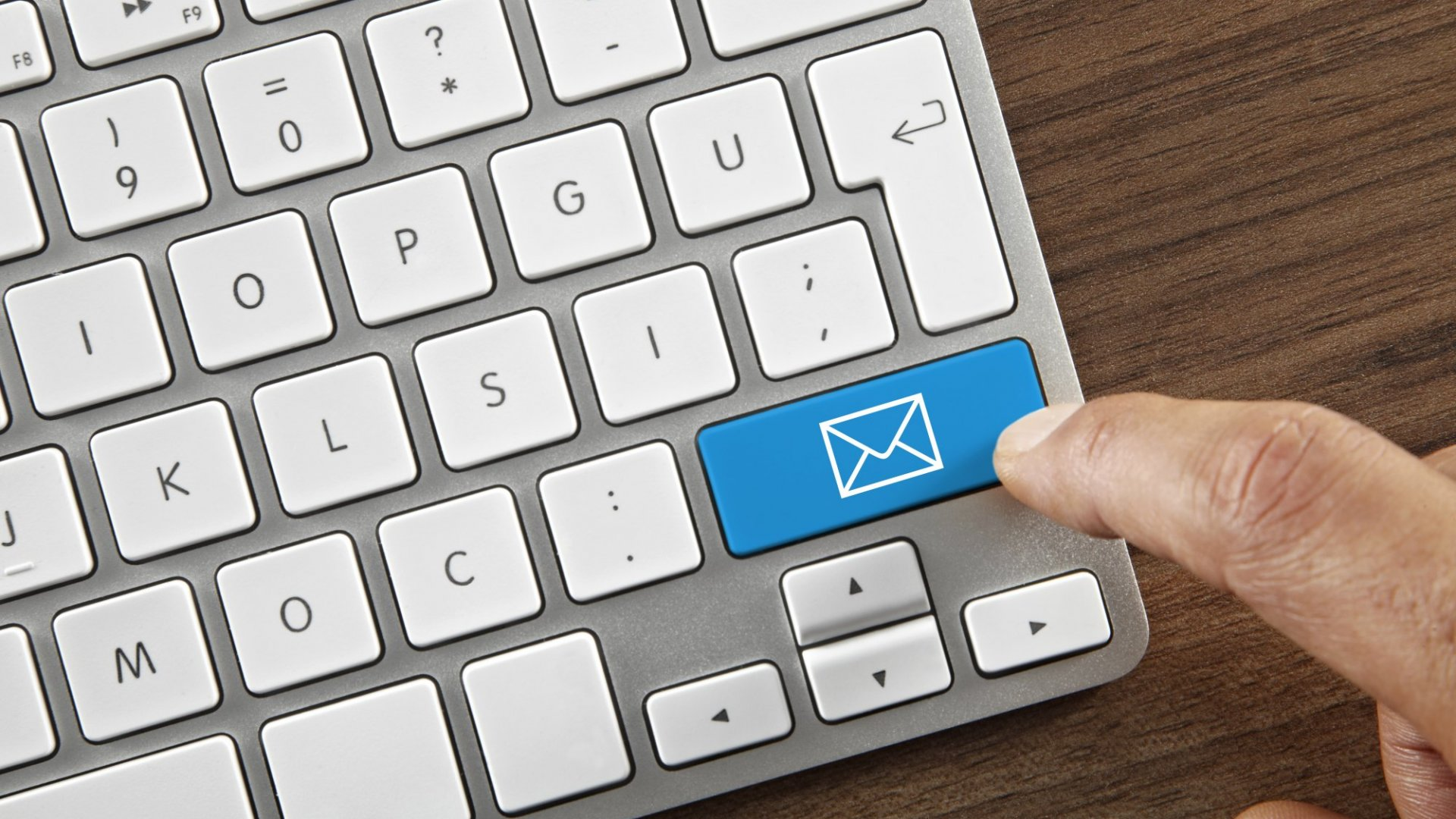 3 Fast Ways to Decide If You Should Reply an Email (or Not)
