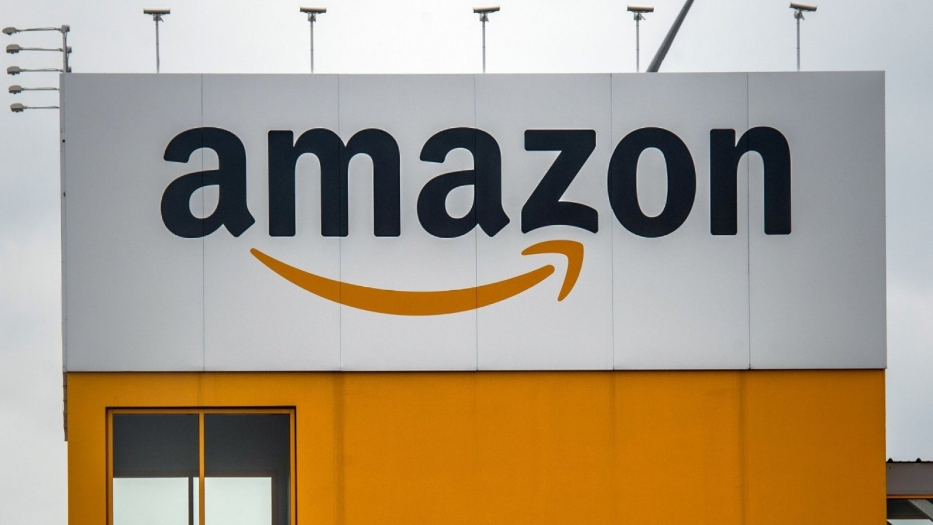 Amazon Is Paying Its Employees $12,000 to Train for a Job at Another Company. And It's Brilliant
