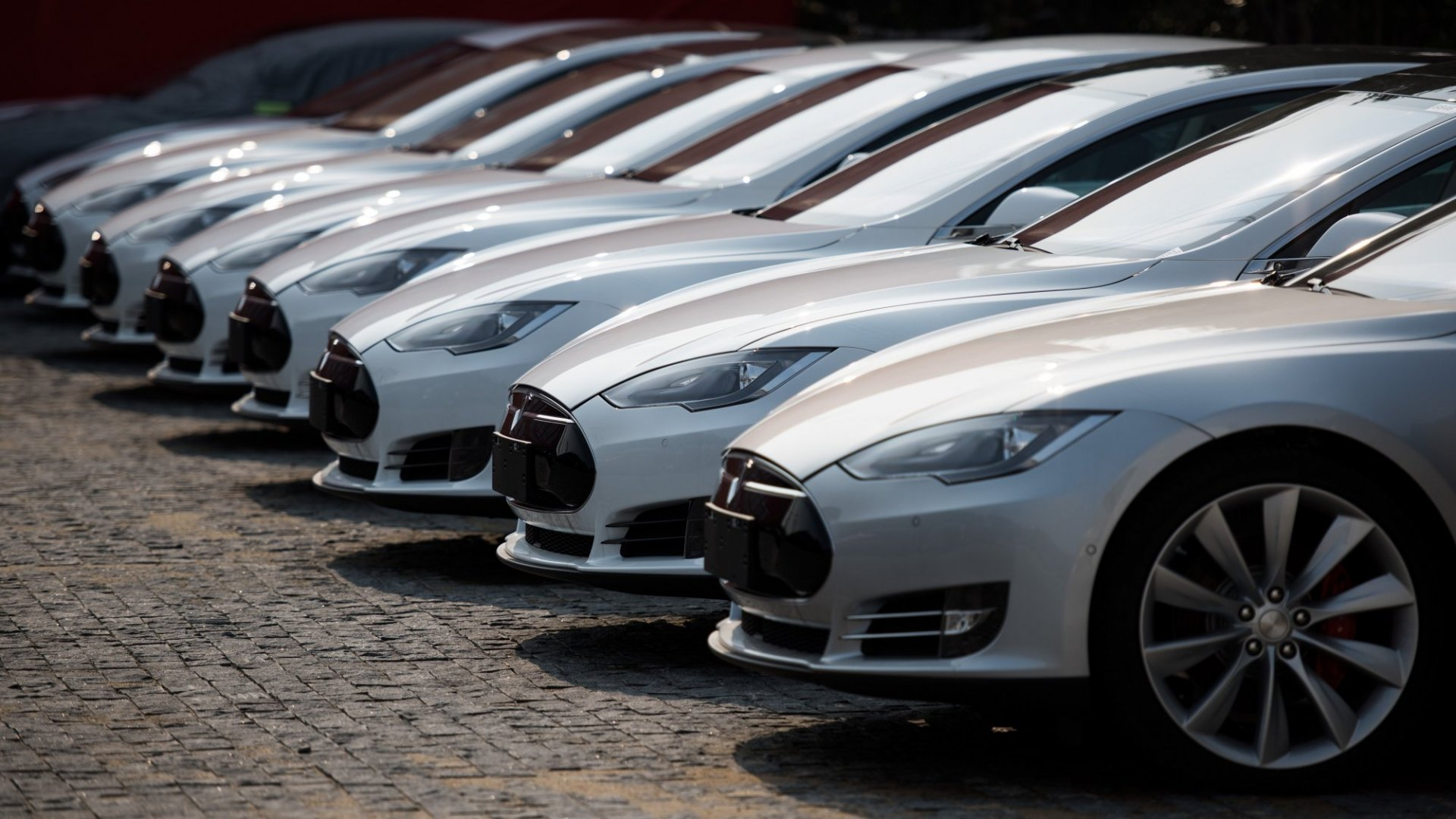 Why Electric Cars Are Still Years Away From Wide Adoption