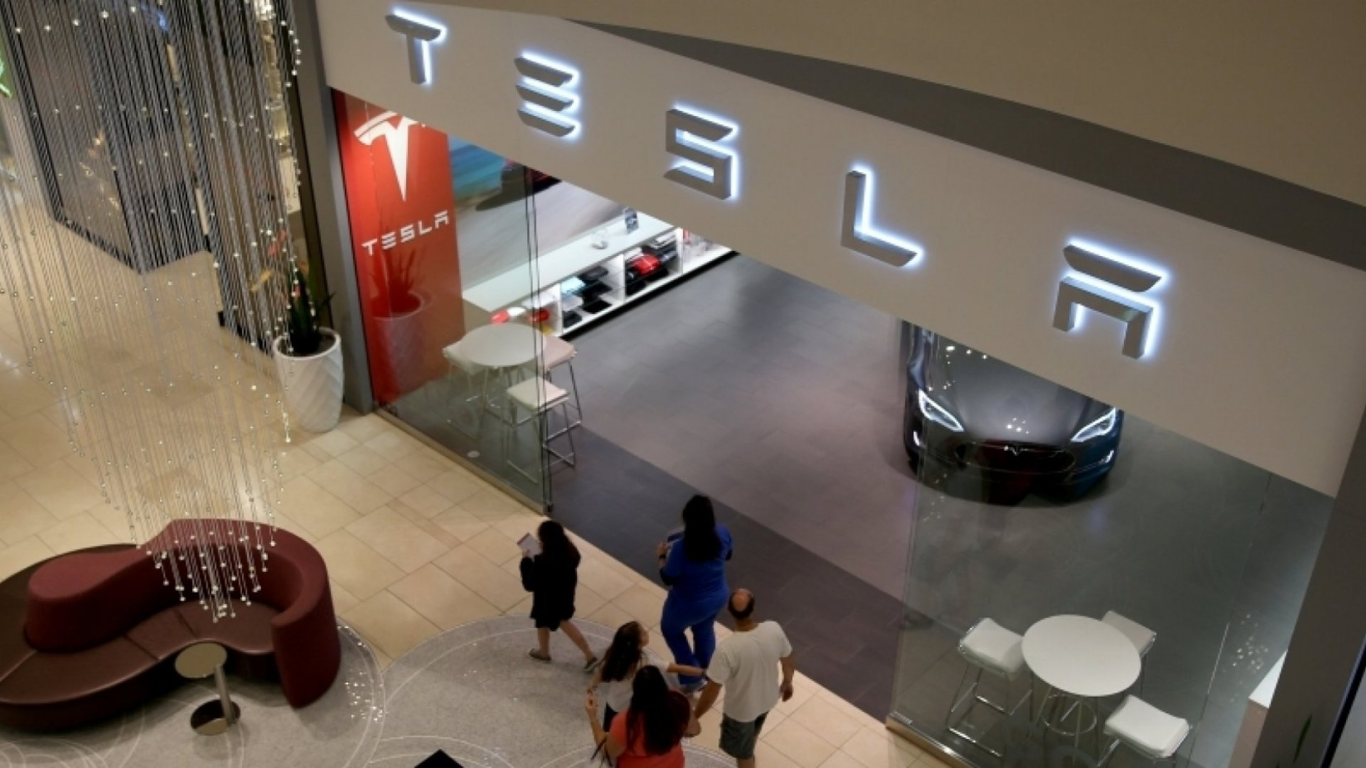 How Tesla Is Helping Make Car Dealerships Obsolete