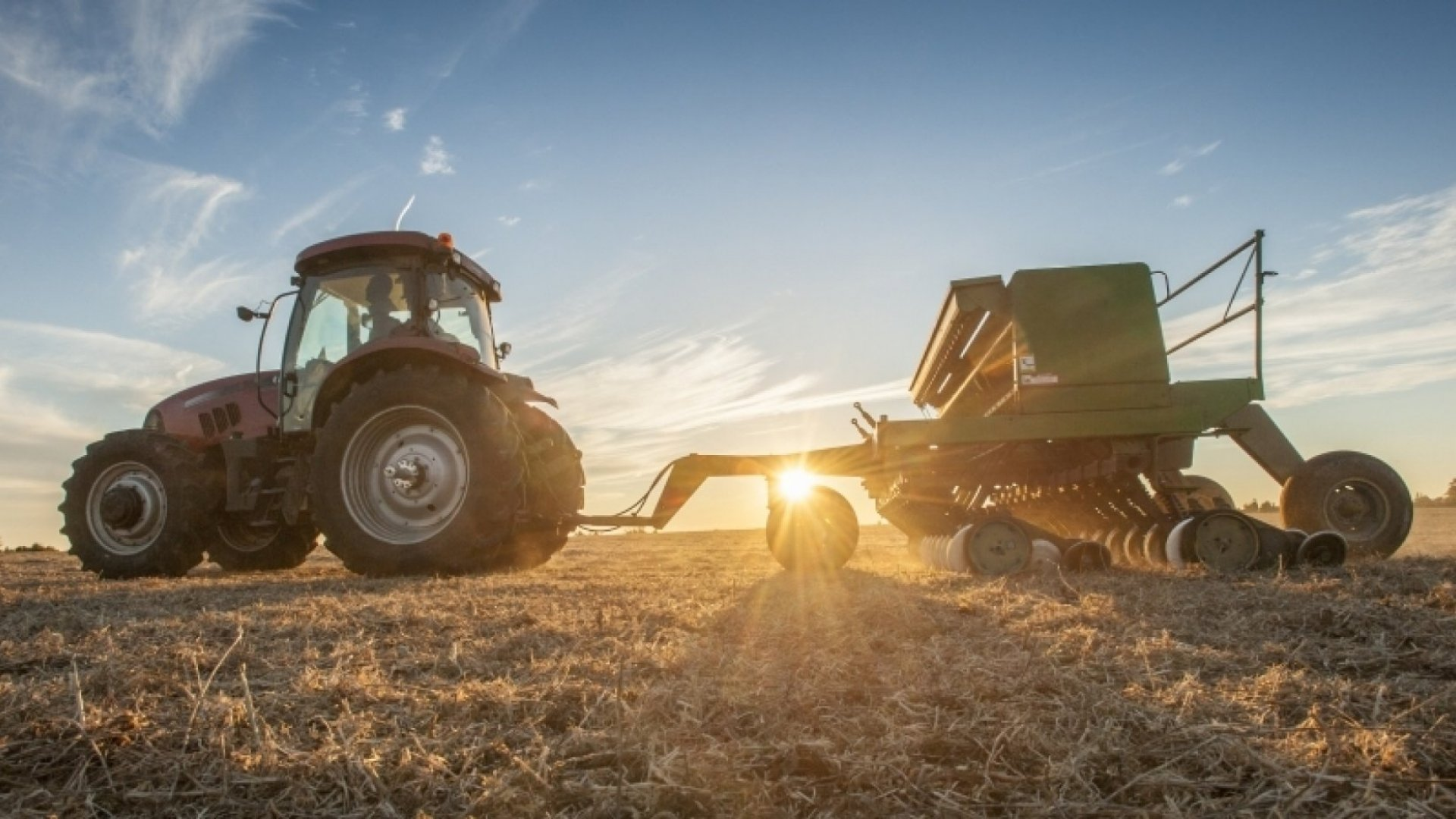 Equipment Leasing vs. Equipment Financing:  What You Need to Know