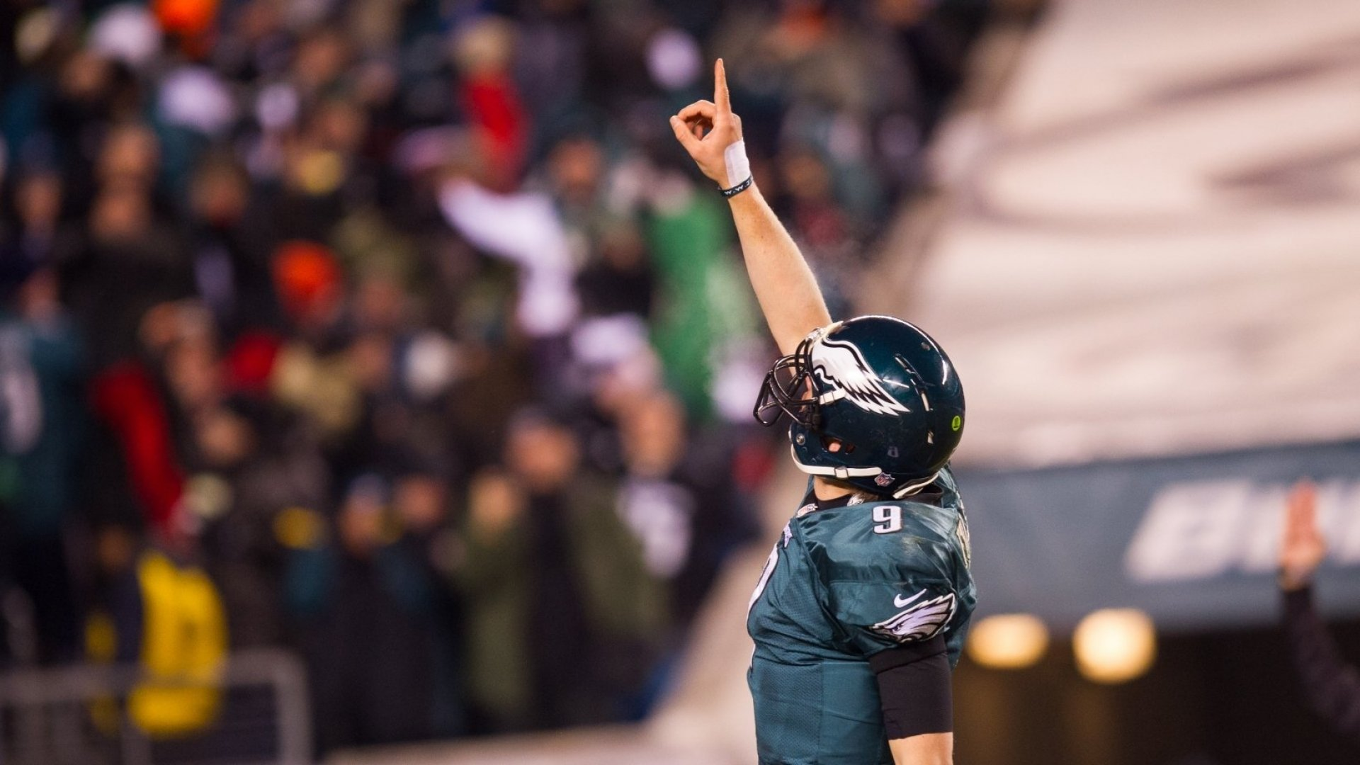 With a Single Action, Eagles Quarterback Nick Foles Just Showed Us What True Leadership Looks Like