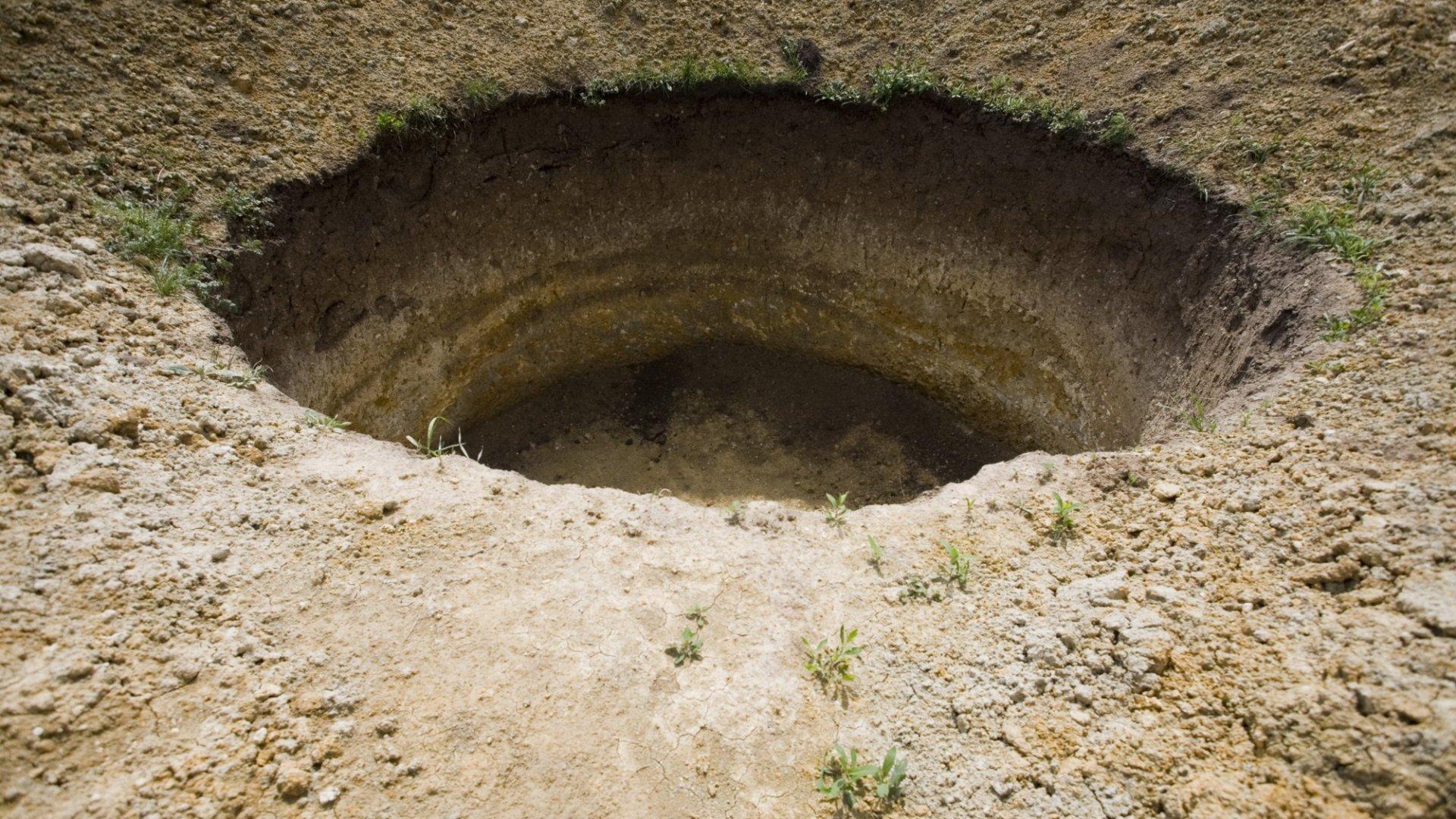 Cards Against Humanity Is Raising Money to Dig a Giant Hole in the Ground Because No Reason