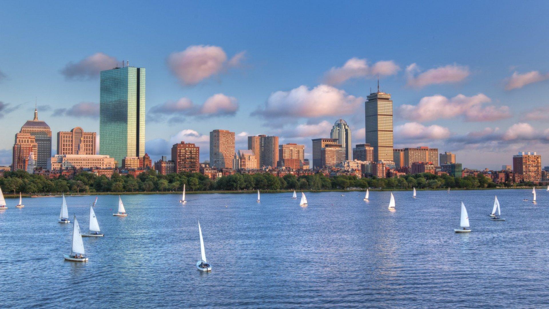 14 Boston CEOs You Need to Follow on Twitter
