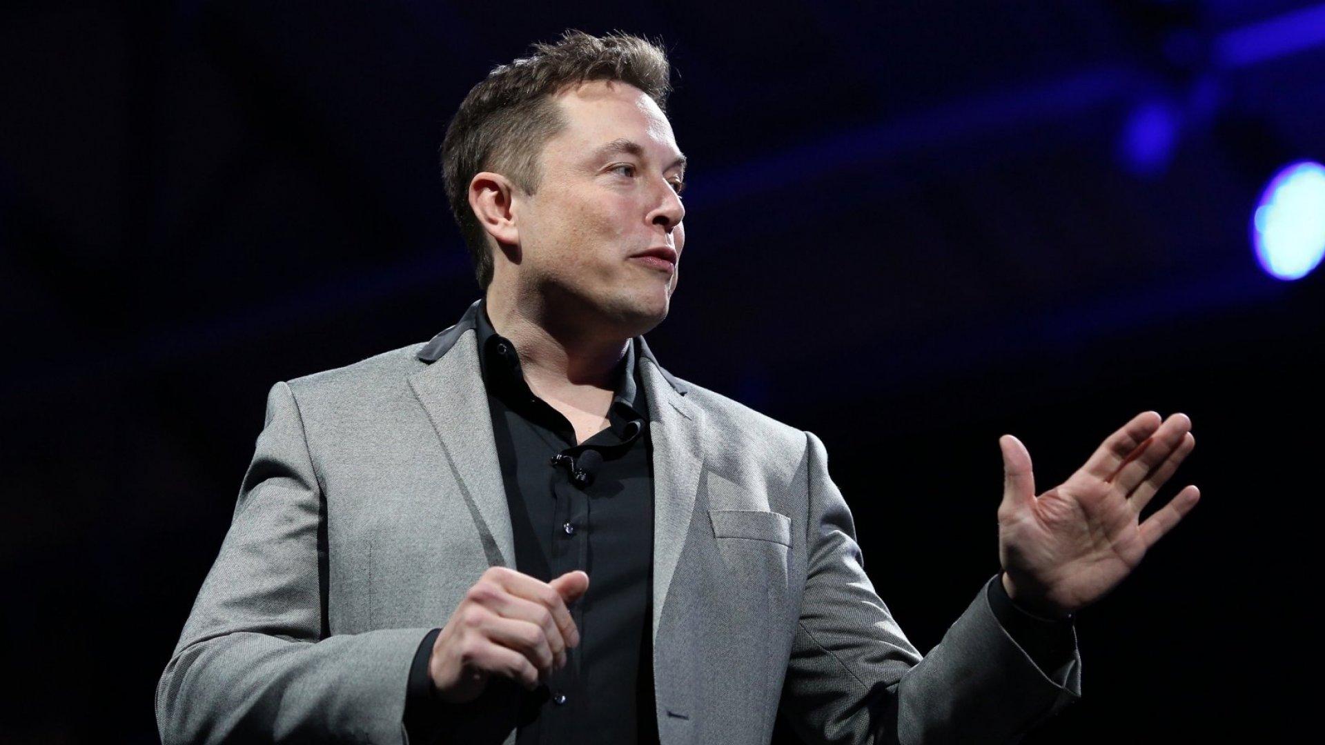 By Insulting His Critics, Elon Musk Made a Huge Mistake. Steve Jobs Showed a Better Way