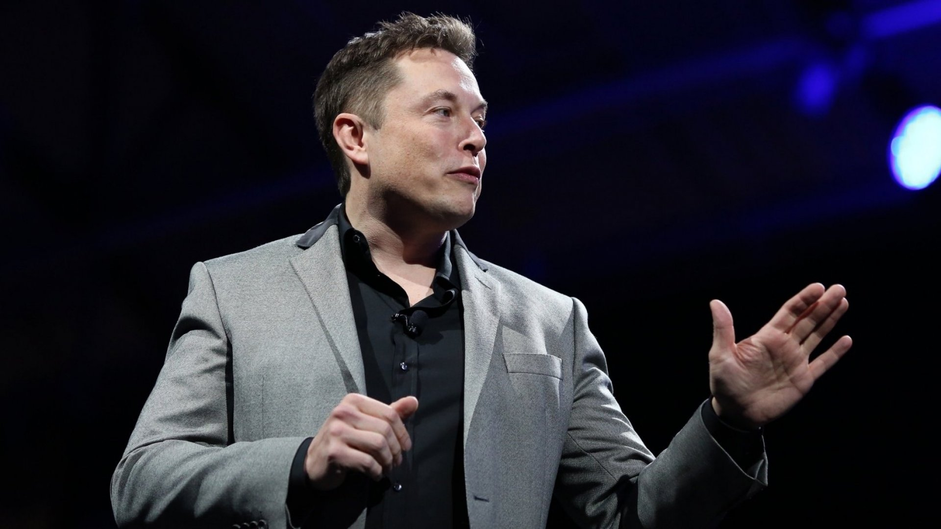 When Elon Musk Is Afraid, This Is How He Handles It