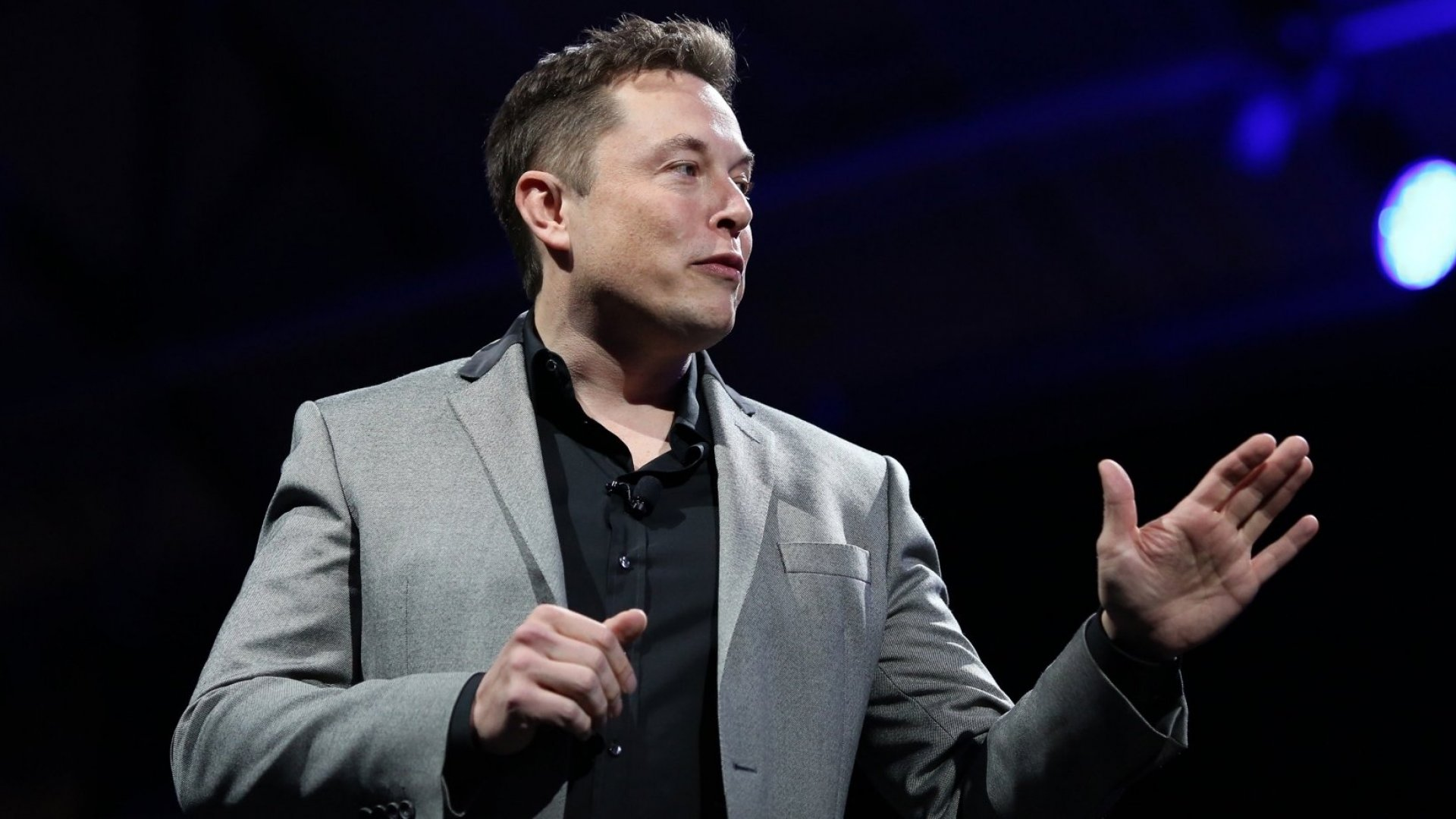 Want to Get Smarter? Elon Musk Recommends These 12 Books
