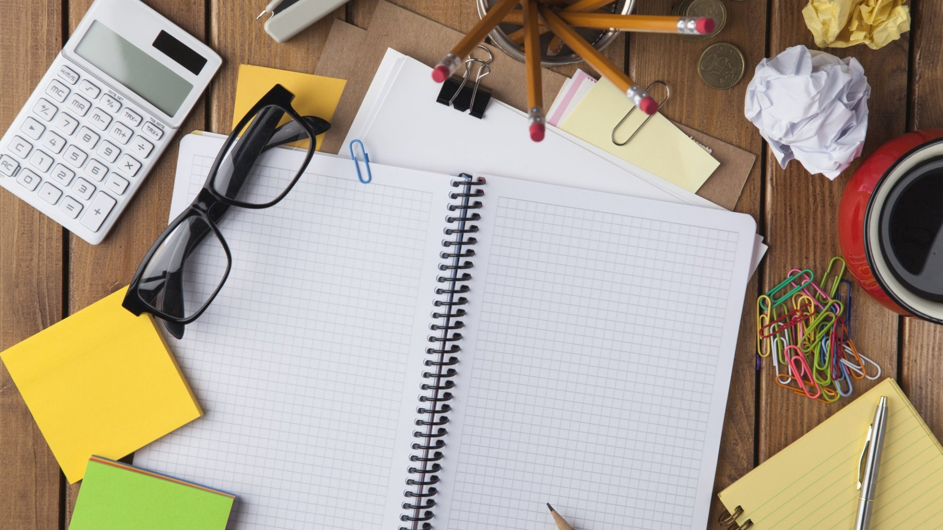Leave That Messy Desk Alone. Studies Say There's a Benefit to Clutter