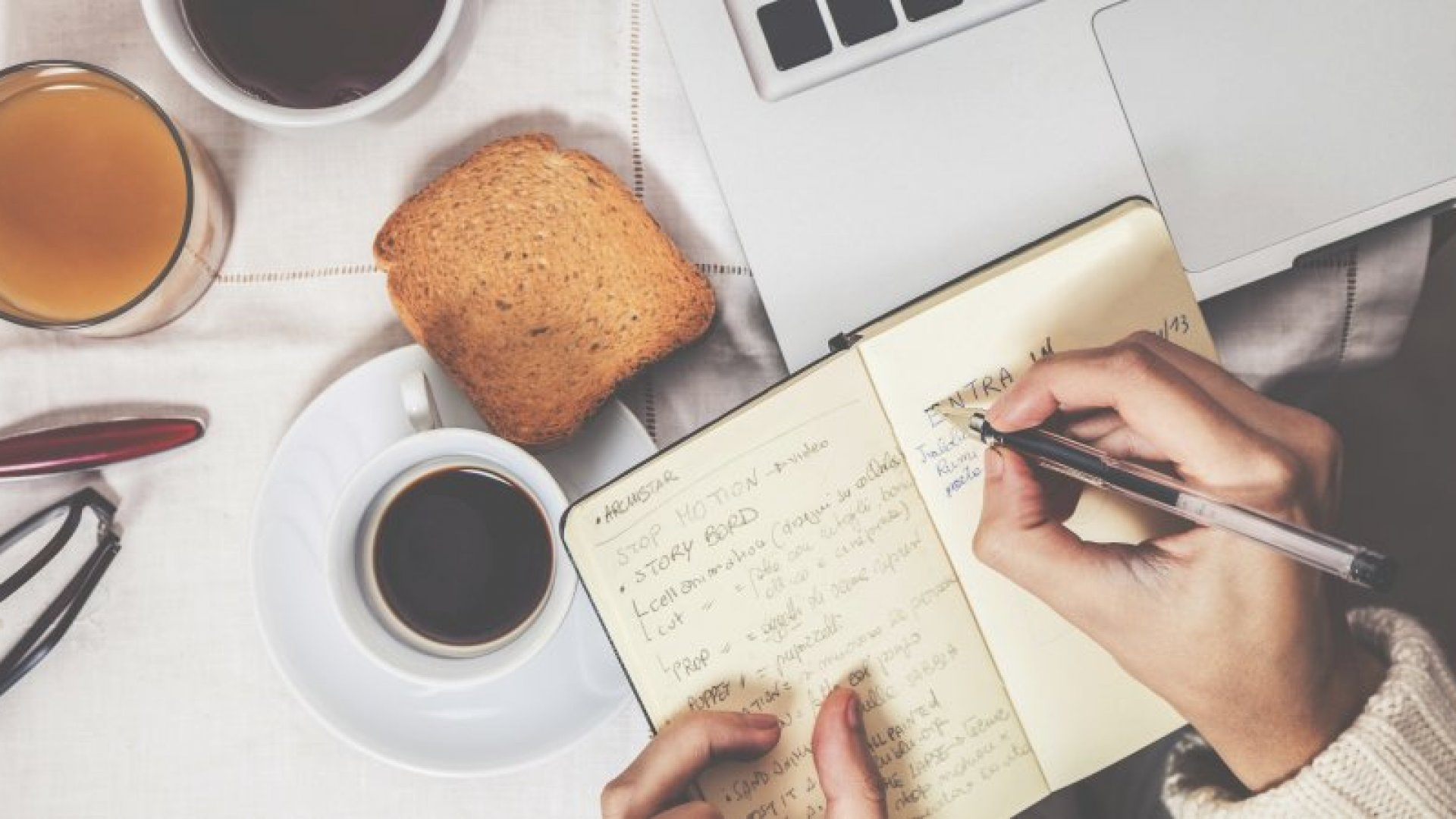 8 Smart Things Super-Productive People Do Each Morning
