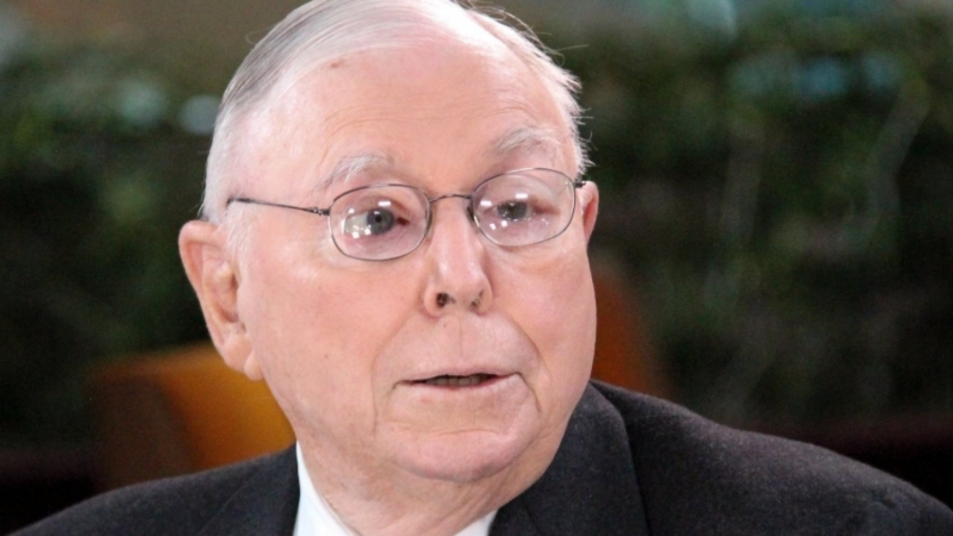 What Self-Made Billionaire Charlie Munger Does Differently