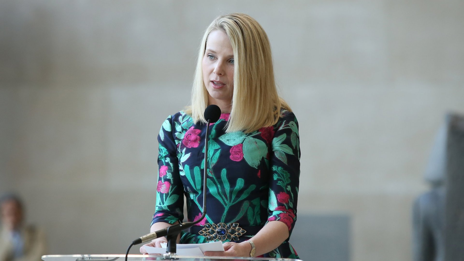 Women CEOs Like Marissa Mayer Are Often Set Up to Fall Off the 'Glass Cliff'