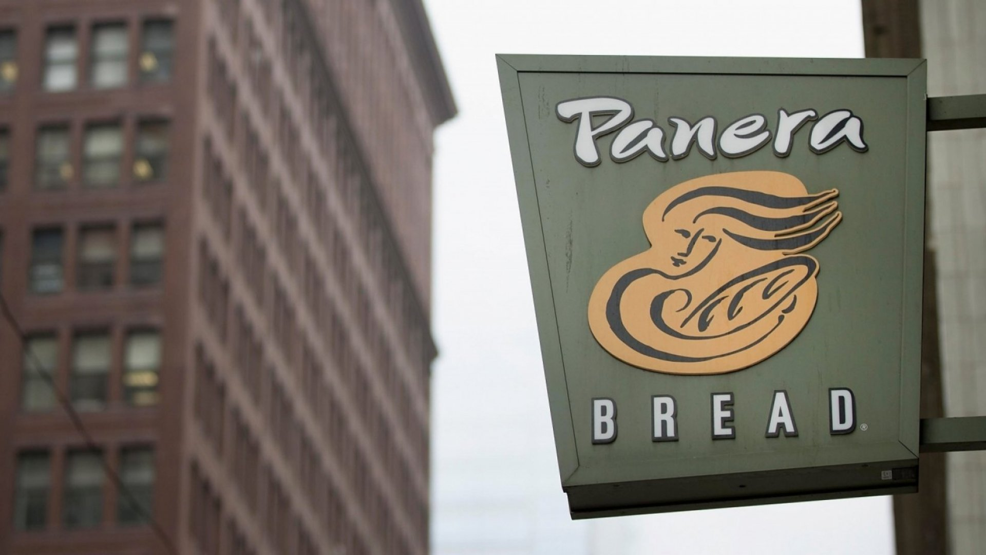 Here's the Brilliant Thing Panera Bread Did So You'll Think Their Competitors' Food Is Gross