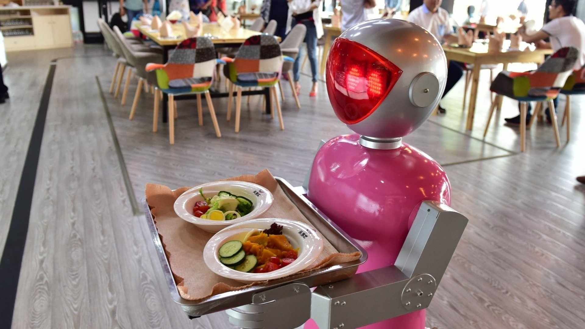 Robot Waiters in China Are Being Fired for Incompetence