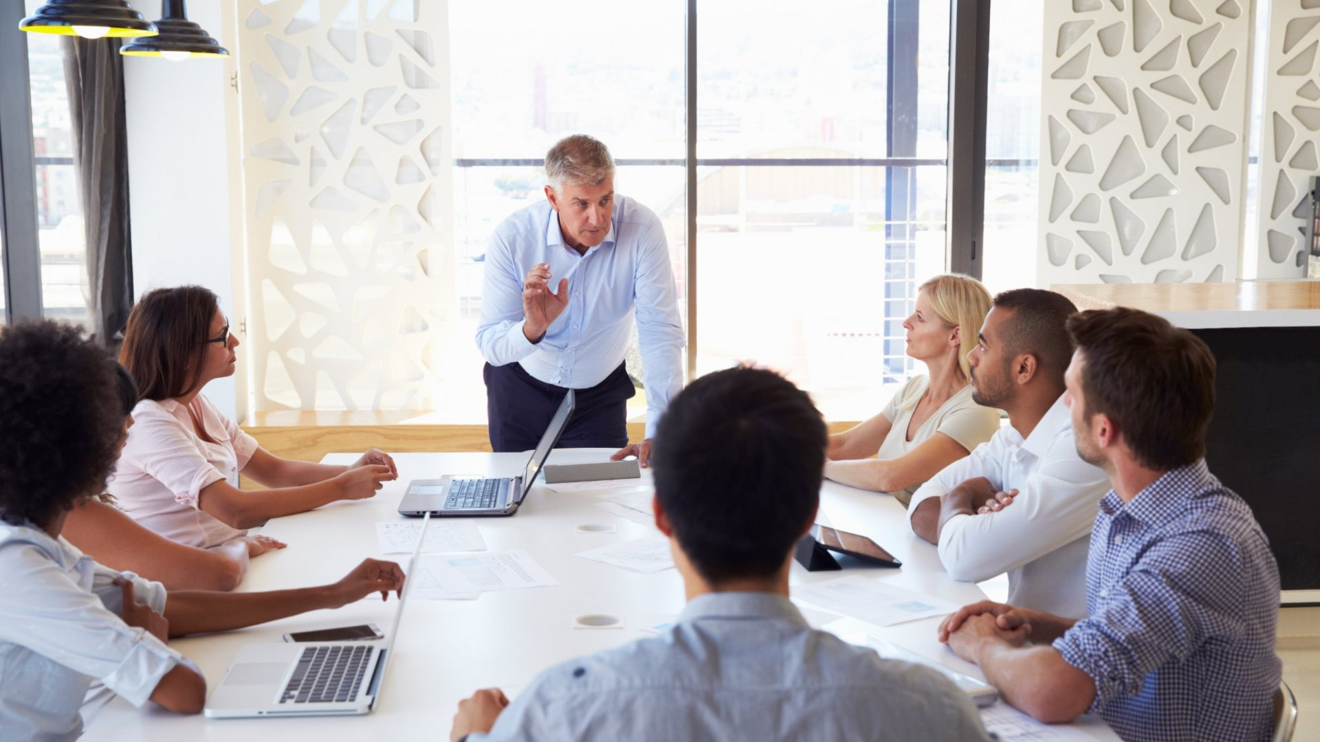 7 Simple Leadership Habits that Will Raise the Bar at Your Company