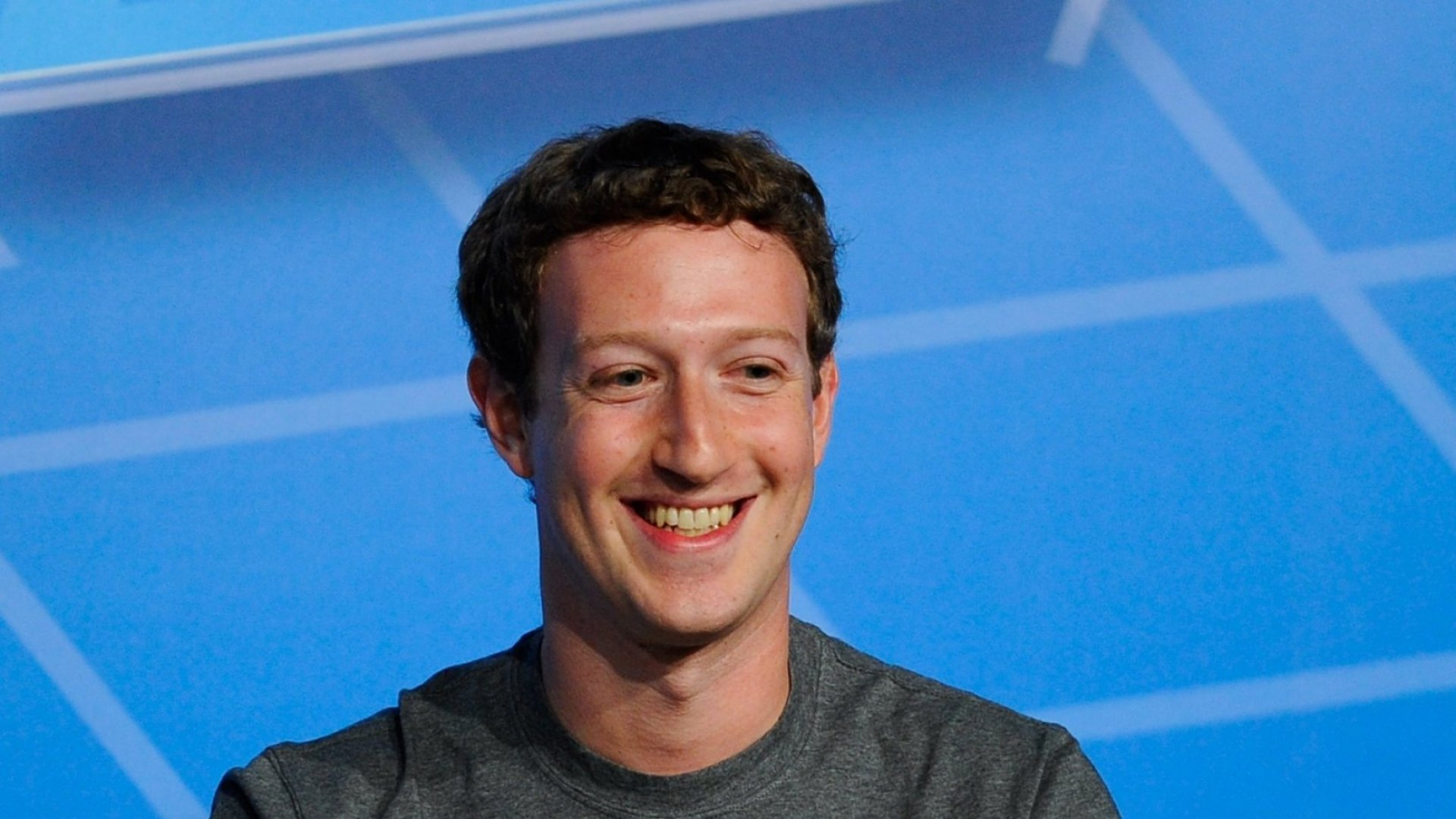Billionaire College Dropout Mark Zuckerberg Will Finally Get a Diploma From Harvard