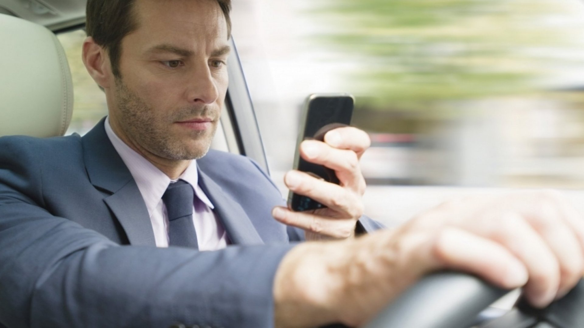 Texting While Driving Should Land You in Jail