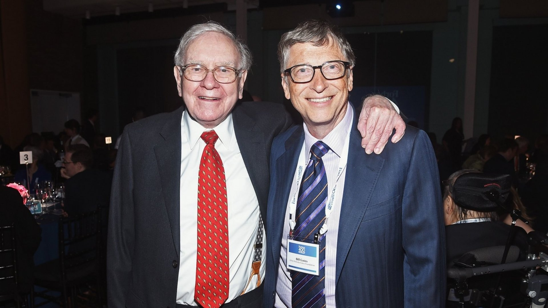 Warren Buffett and Bill Gates at <em>Forbes</em>' 2015 Philanthropy Summit Awards Dinner.