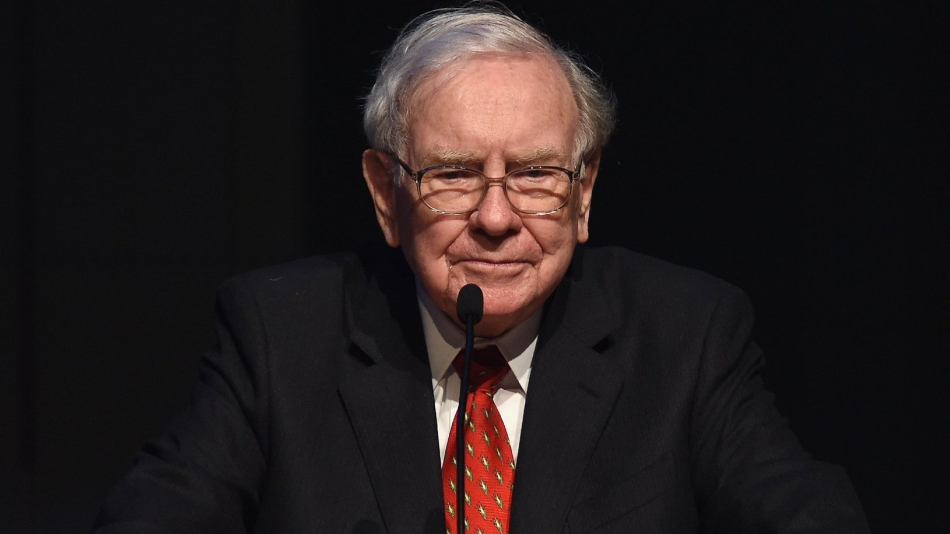 Warren Buffett Says If You Can't Master This Skill, 'It's Like Winking at a Girl in the Dark--Nothing Happens'
