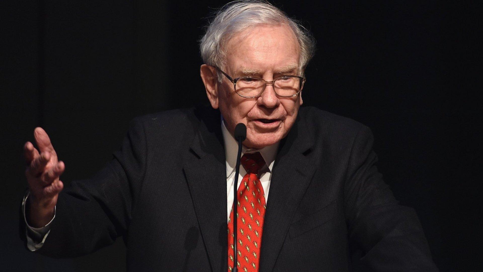 Warren Buffett's Best Advice on Navigating Stock Market Crashes